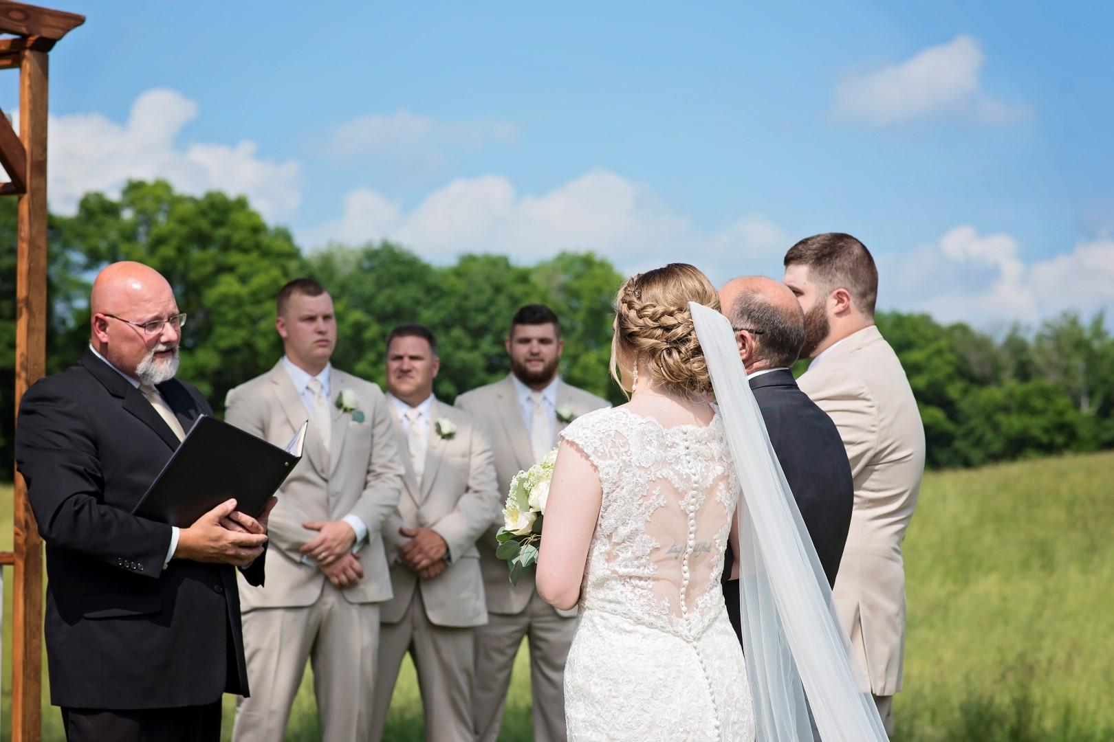 Madison+Austin_Wedding_SneakPeek_14 (Large).jpg