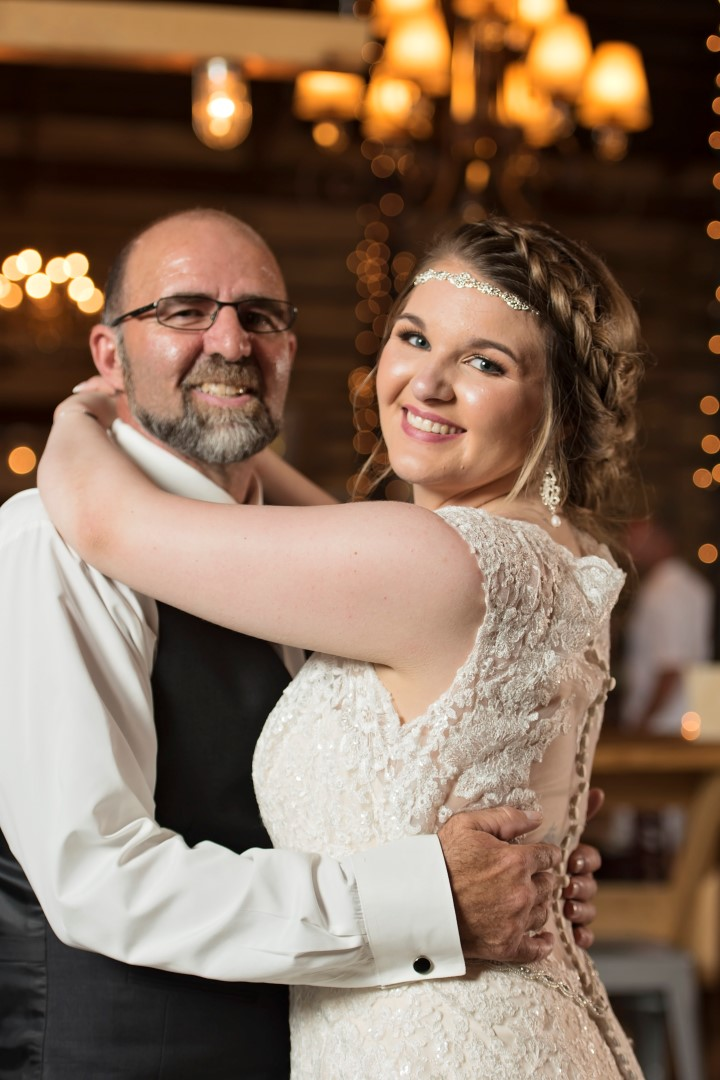 Madison+Austin_Wedding_SneakPeek_41 (Large).jpg