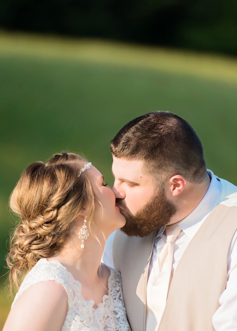 Madison+Austin_Wedding_SneakPeek_53 (Large).jpg