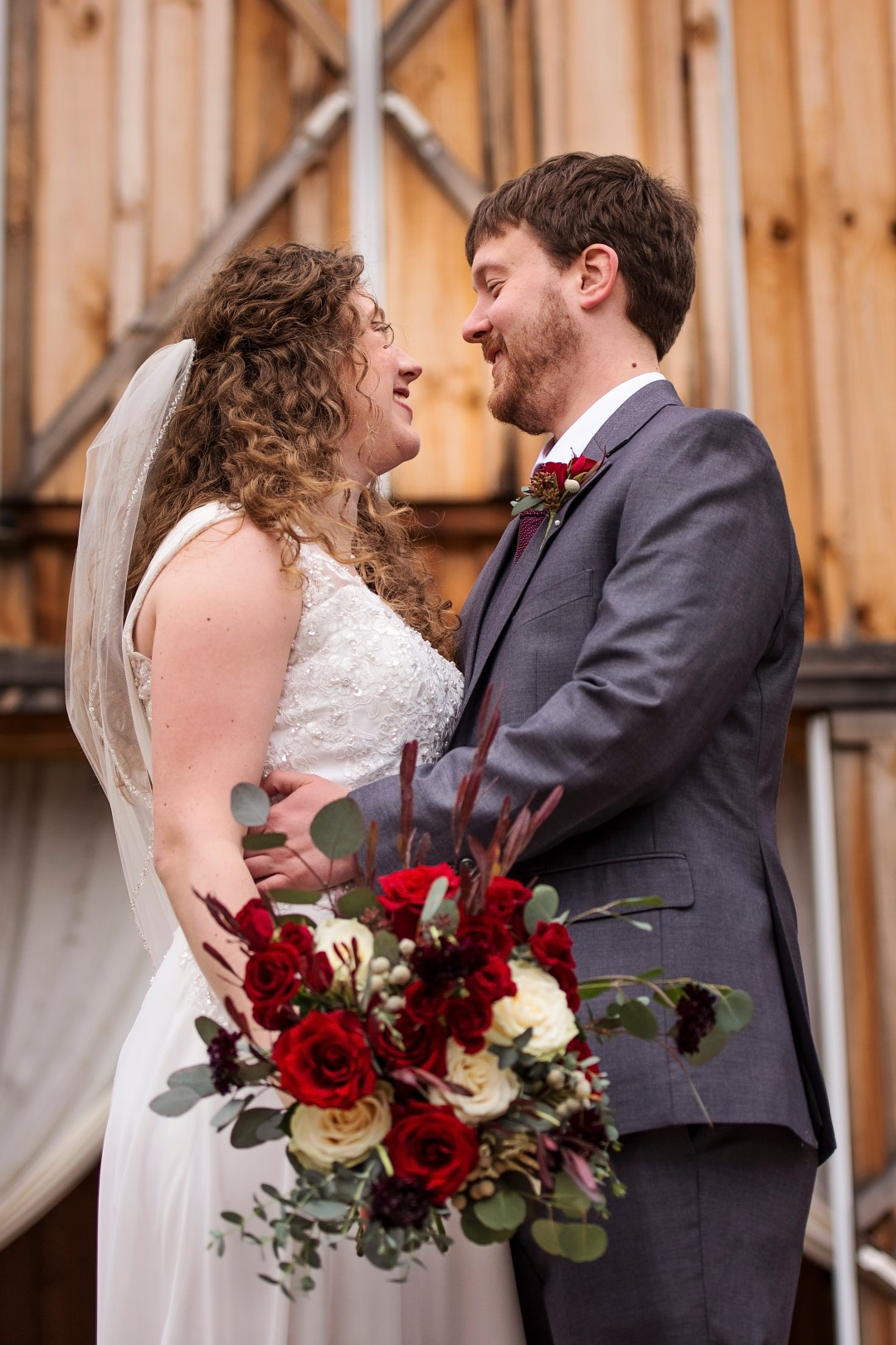 Bates_Roberts_Wedding_SneakPeek_27 (Large).jpg