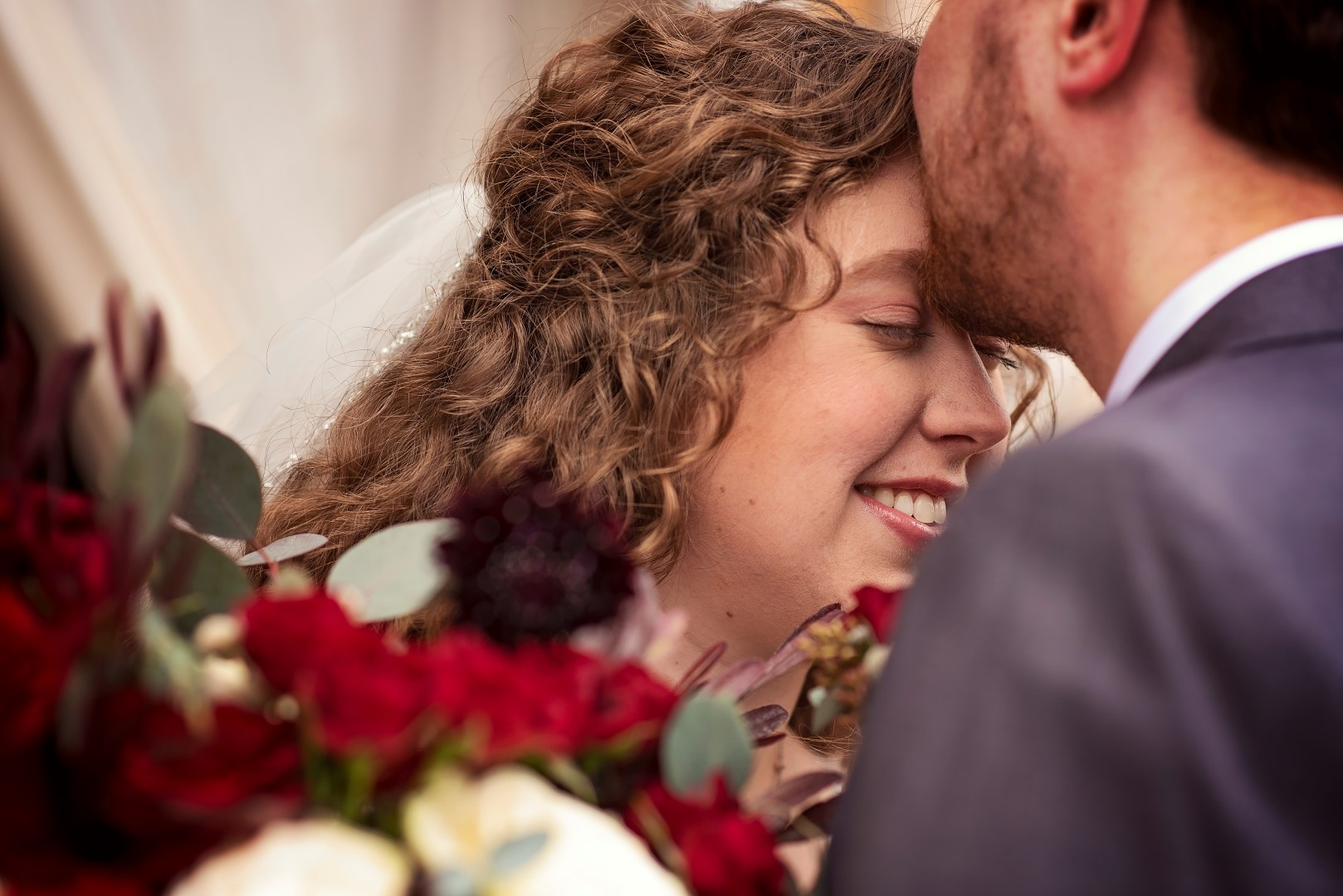 Bates_Roberts_Wedding_SneakPeek_30 (Large).jpg