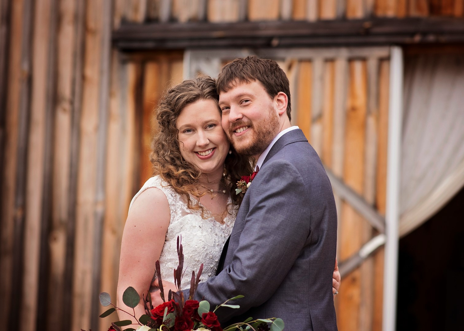 Bates_Roberts_Wedding_SneakPeek_33 (Large).jpg