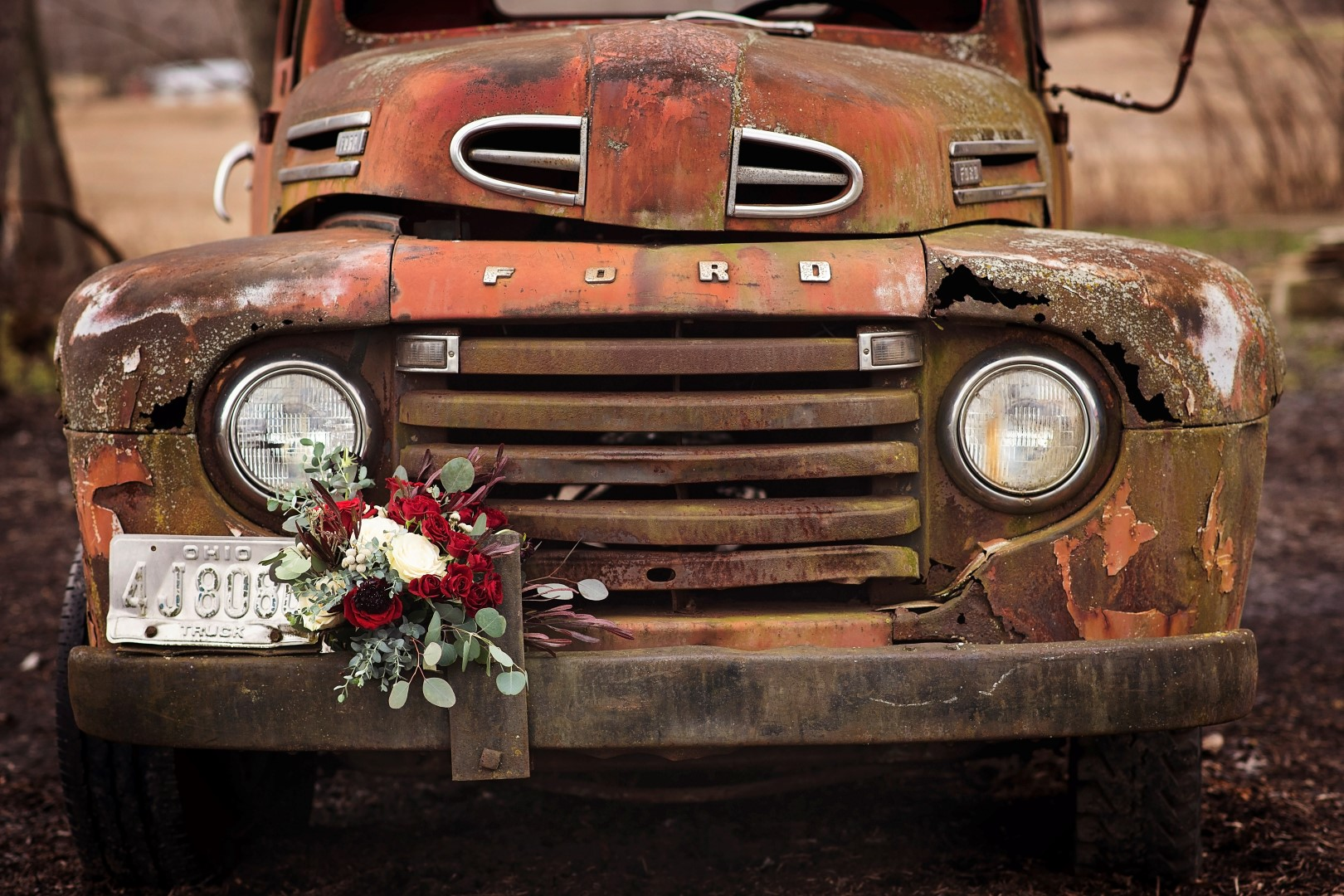 Bates_Roberts_Wedding_SneakPeek_05 (Large).jpg