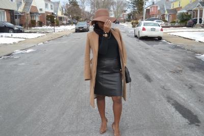 Winter_OOTD_Floppyhat_leatherskirt.JPG