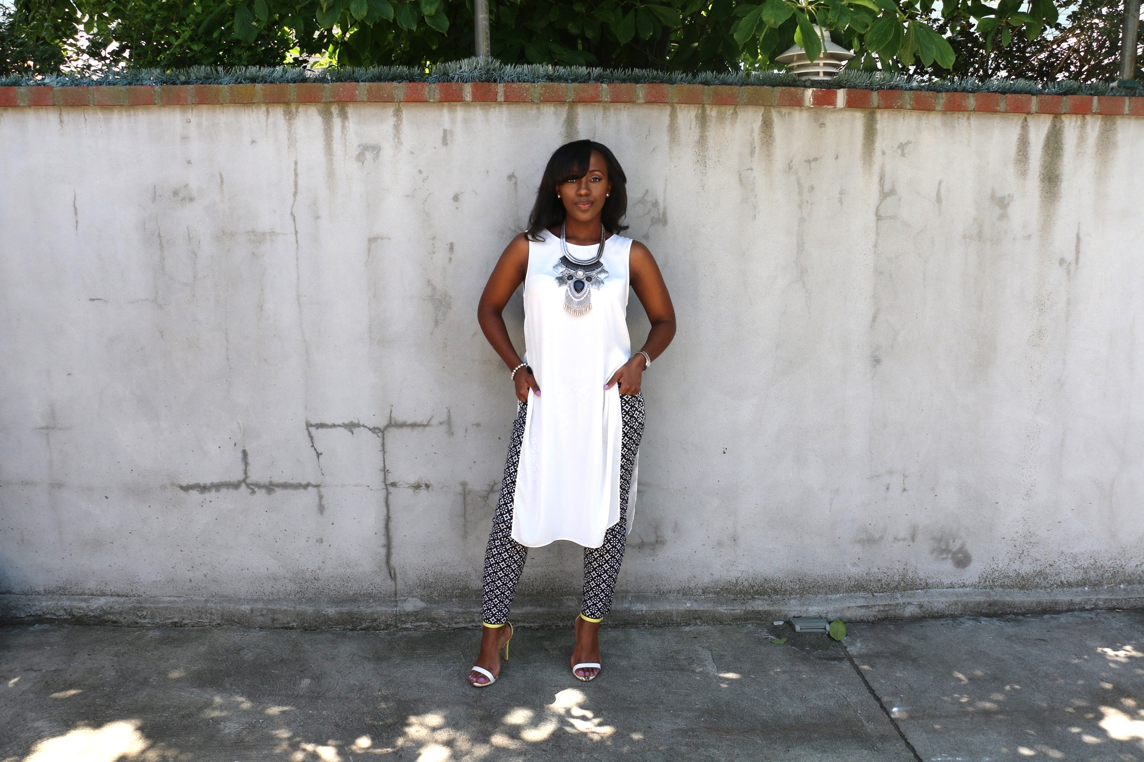 long blouse_cigarette pants_minimalist sandals