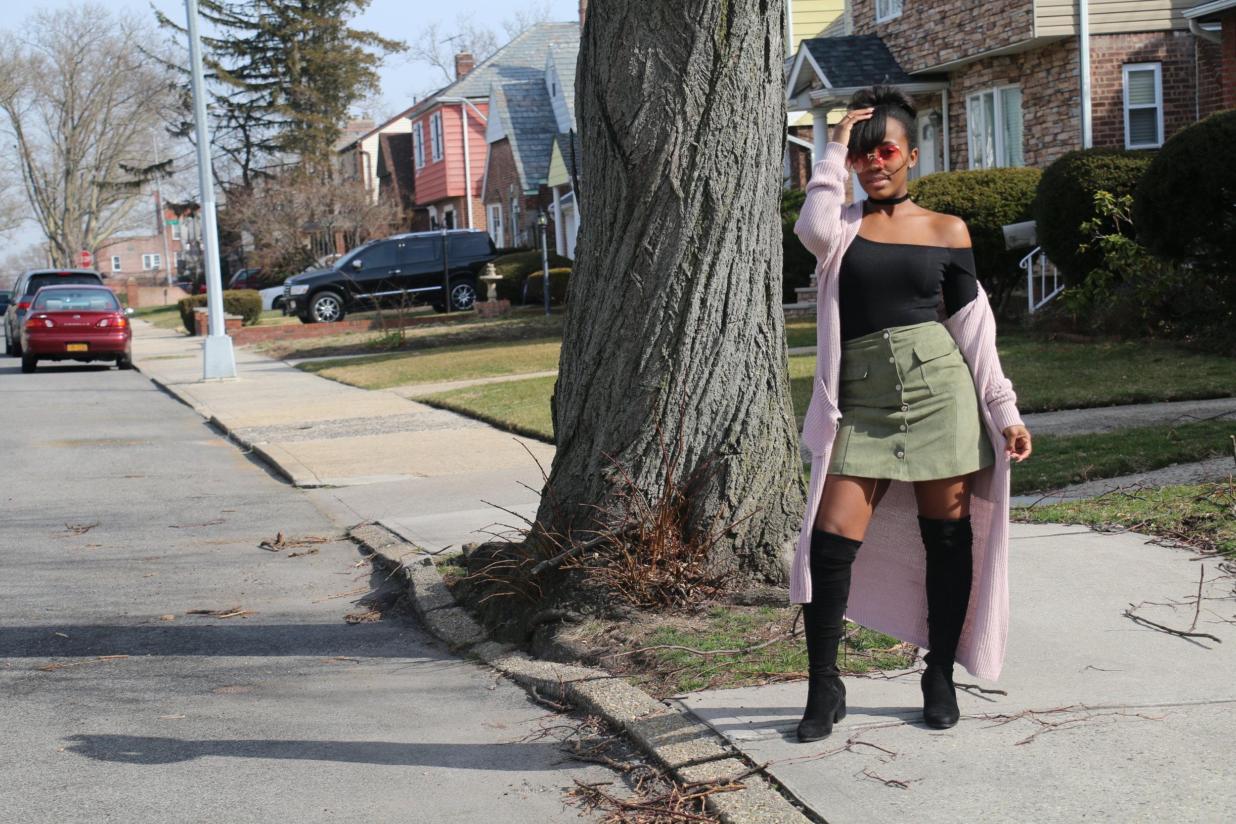 Top:  BooHoo  | Skirt: I <3 Ronson | Boots: Aldo | Sweater:  Lulus.com  | Sunglasses:  Eye Dare You | Choker: Primark ( similar )