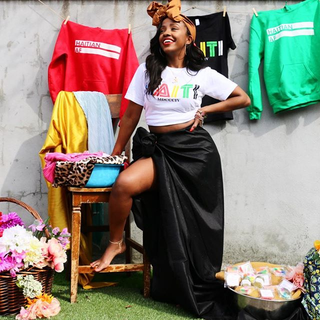 MACHE LOKAL. @machelokalbrunch 👉🏾👉🏾 There's no such thing as self-made, if you think about it. Somewhere along the way someone gave you a push, held your hand to help you jump over a hole, or stretched out their hand and pulled you up. I've been trying to tell y'all, L'Union Fait La Force. There is strength in numbers. It takes a village.  It's time for that village to come together. TAG YOUR VILLAGE 👇🏾👇🏾 #ProudToPayUS #AllMoneyInNoMoneyOut #TheMarathonContinues 🏁 FOLLOW: @machelokalbrunch #MacheLokalBrunch #MacheLokalMiami 👚: @haitianaf_ 👑: @wrapsbybijoux 💎: @pawolapparel 🧼: @gemsbygary 💄: @jluxecosmetics