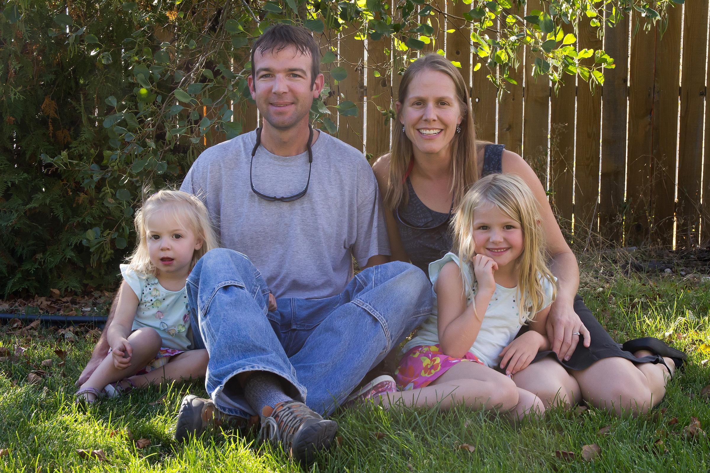 family_portrait_1-1610_resized_8in.jpg