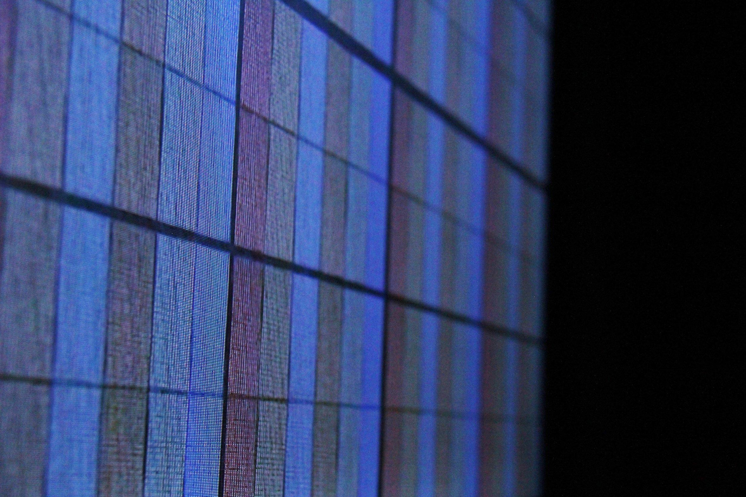 Screen/Screen . Video, monitor, foamcore.2:29 minute loop. 75x50x20 cm.