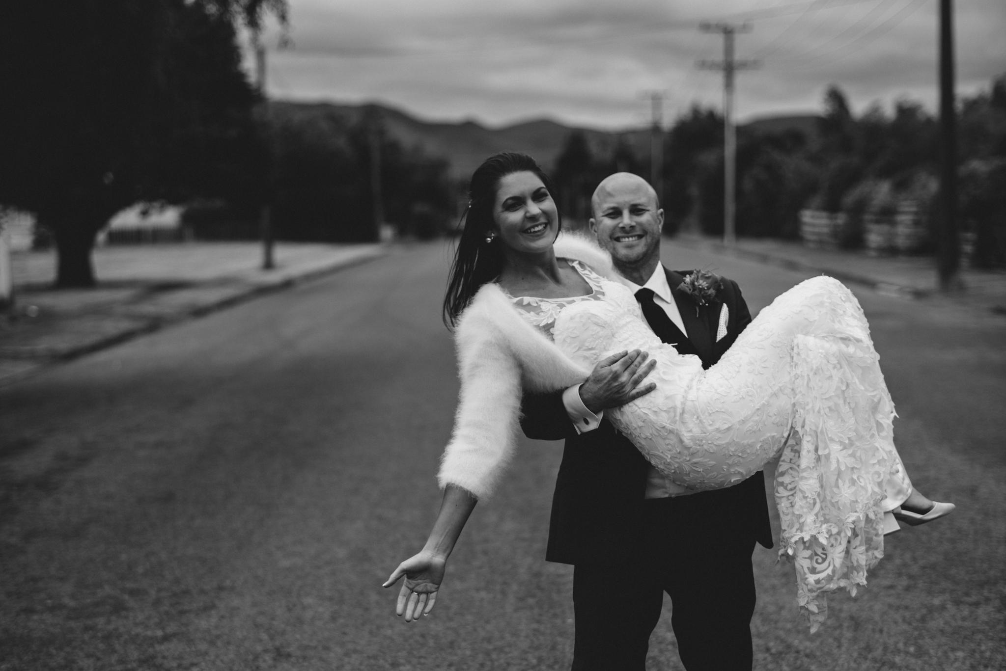 LOVELENSCAPES PHOTOGRAPHY • VISUAL POETRY • NEW ZEALAND WEDDING PHOTOGRAPHER • AUSTRALIAN WEDDING PHOTOGRAPHER • BRISBANE • MELBOURNE • SYDNEY • HOBART • TARUREKA ESTATE • ANNA CAMPBELL • 144.jpg