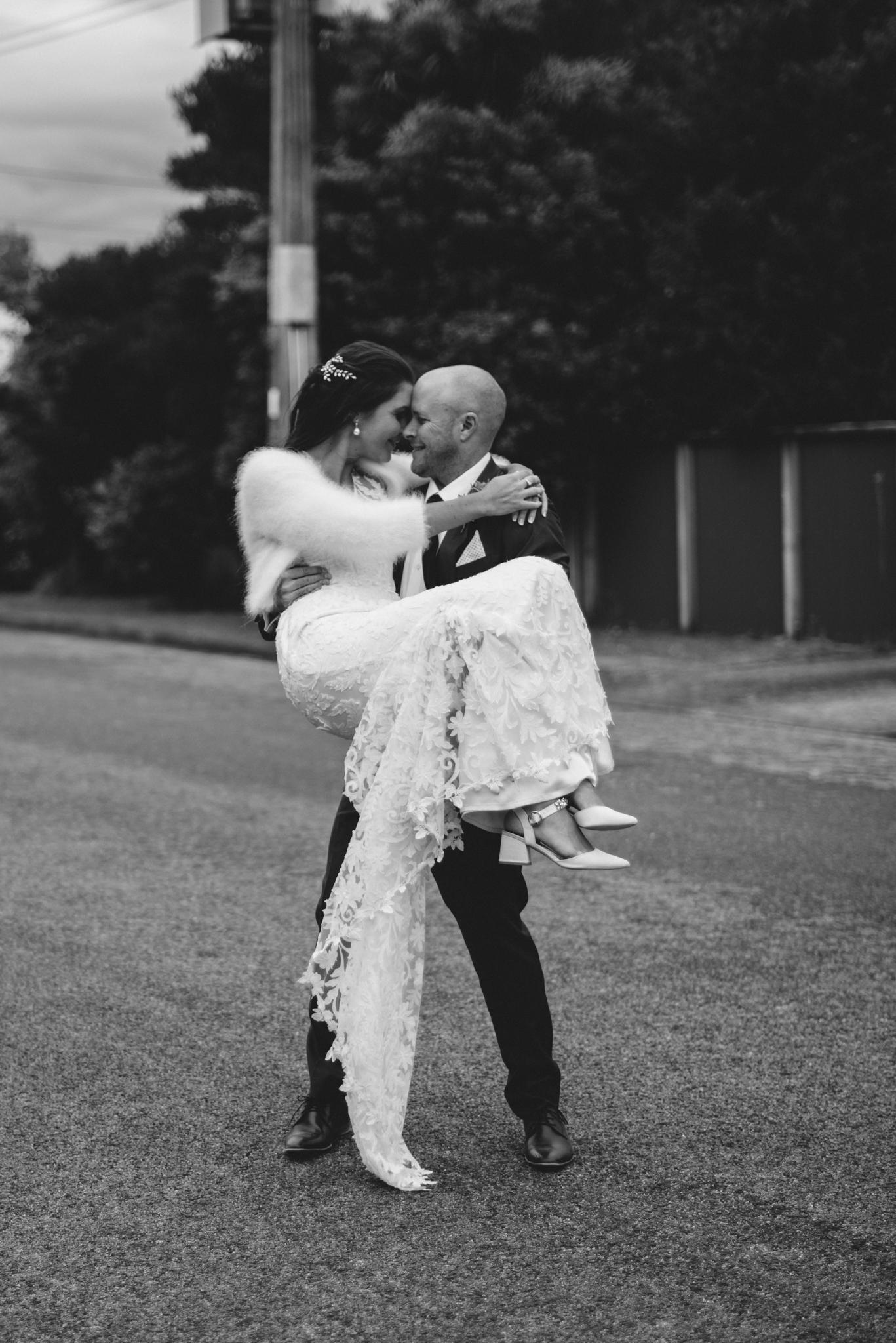 LOVELENSCAPES PHOTOGRAPHY • VISUAL POETRY • NEW ZEALAND WEDDING PHOTOGRAPHER • AUSTRALIAN WEDDING PHOTOGRAPHER • BRISBANE • MELBOURNE • SYDNEY • HOBART • TARUREKA ESTATE • ANNA CAMPBELL • 145.jpg