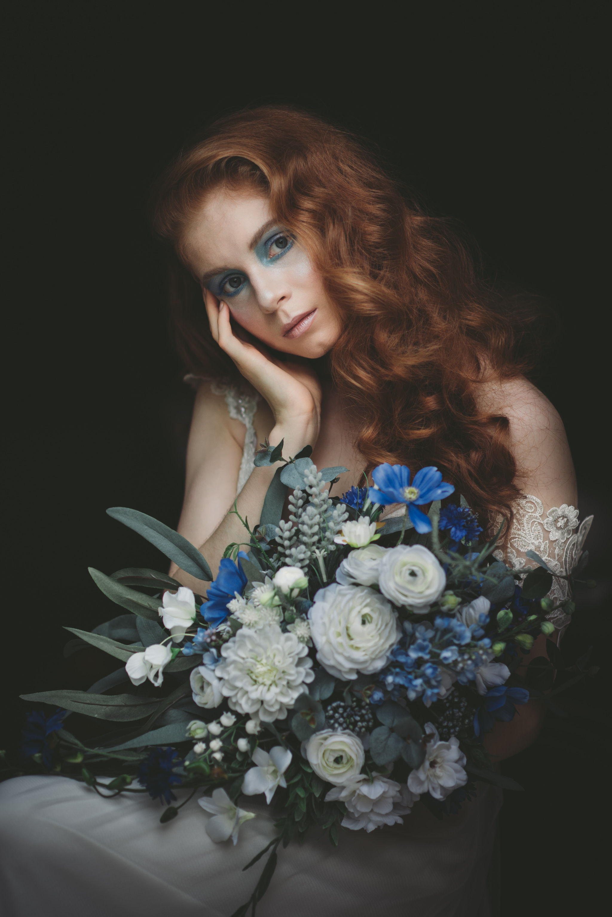 LOVELENSCAPES PHOTOGRAPHY X ANNA CAMPBELL BRIDAL X LEMAE MAKEUP ARTISTRY X BLOOMING LOVELY BOUQUETS X ERIN LIGHTFOOT X LITTLE WHITE COUTURE • 3.jpg