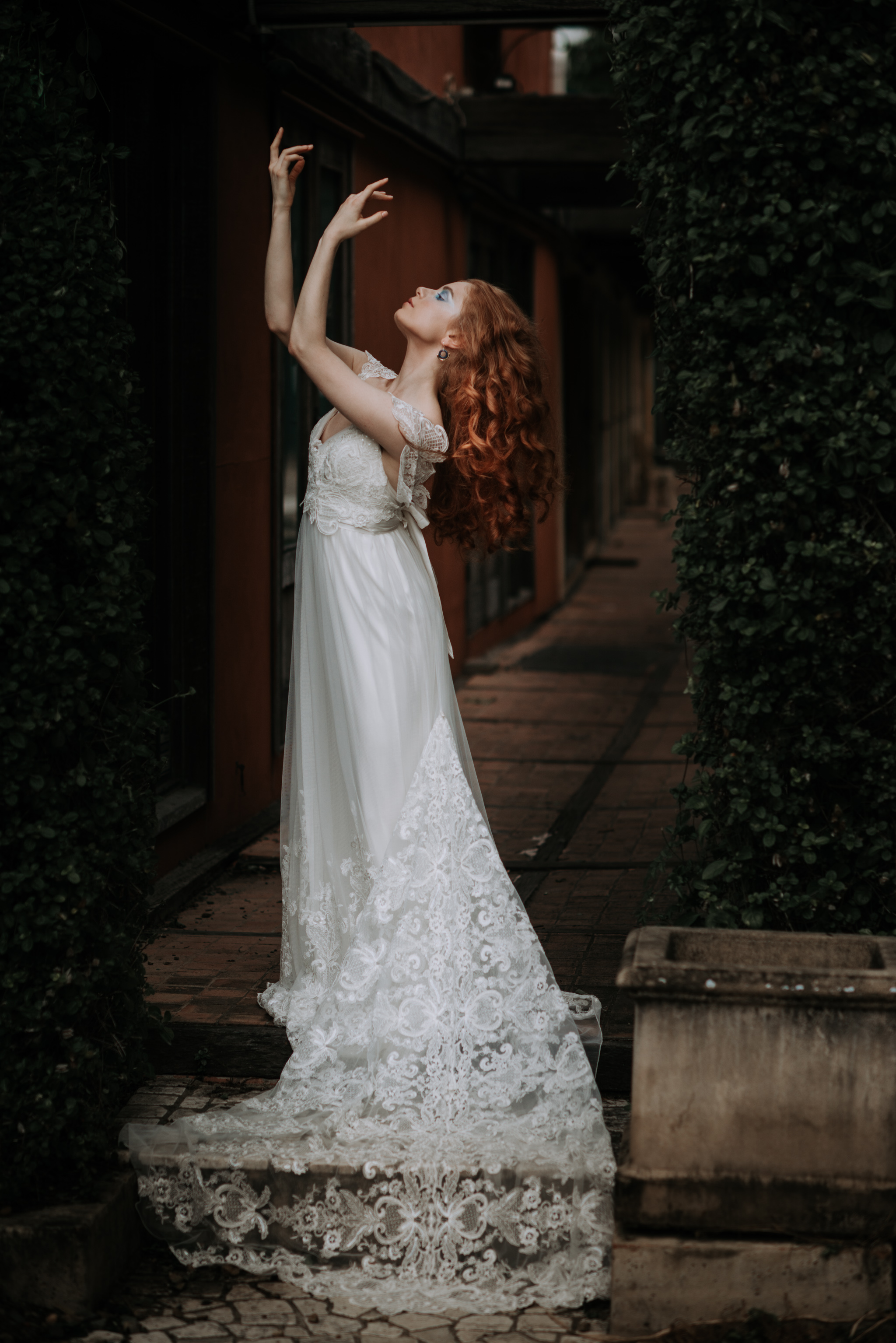 LOVELENSCAPES PHOTOGRAPHY X ANNA CAMPBELL BRIDAL X LEMAE MAKEUP ARTISTRY X BLOOMING LOVELY BOUQUETS X ERIN LIGHTFOOT X LITTLE WHITE COUTURE • 8.jpg