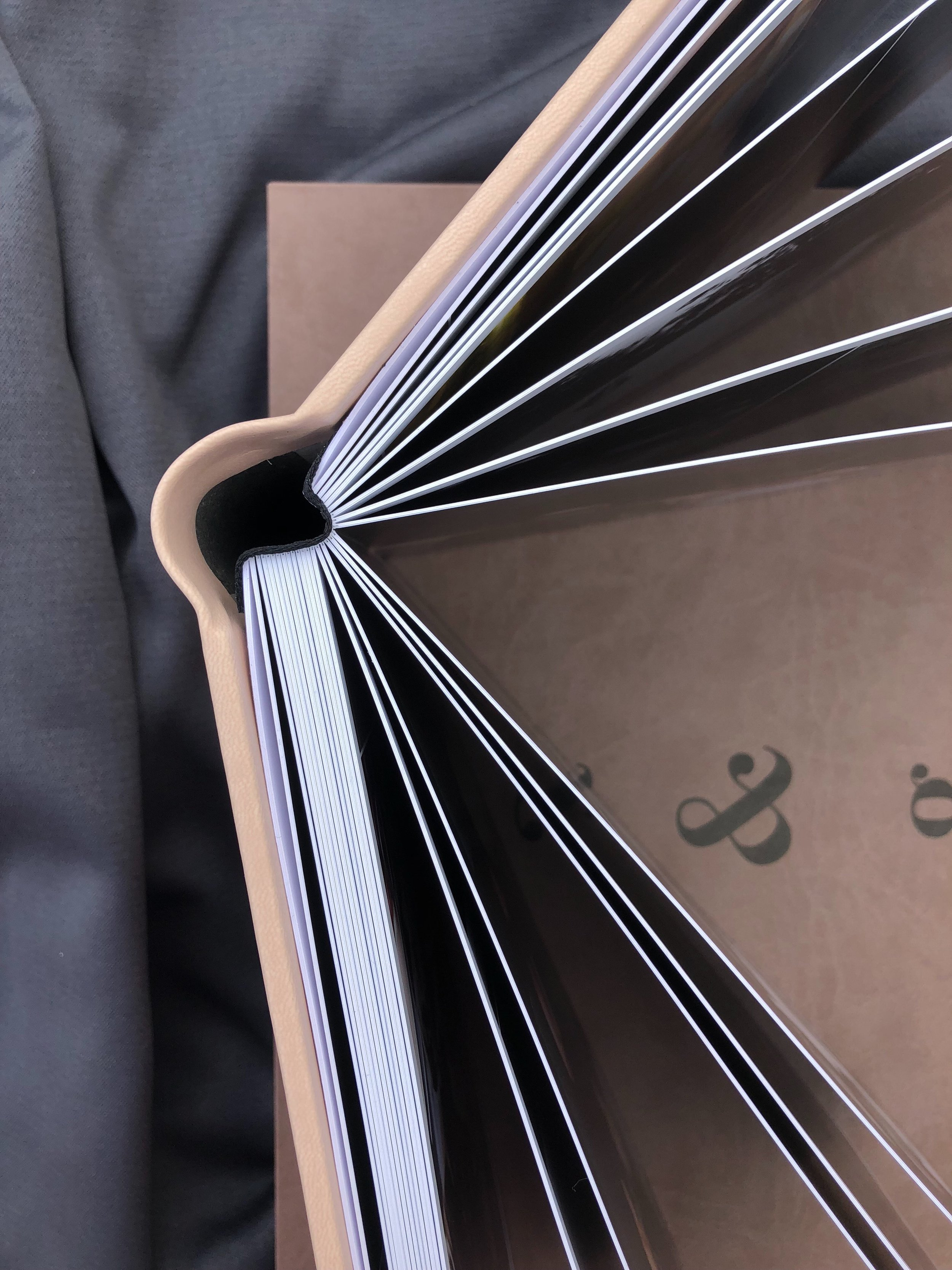 Crafted to last - All albums feature 1.3mm thick rigid pages that will stand the test of time
