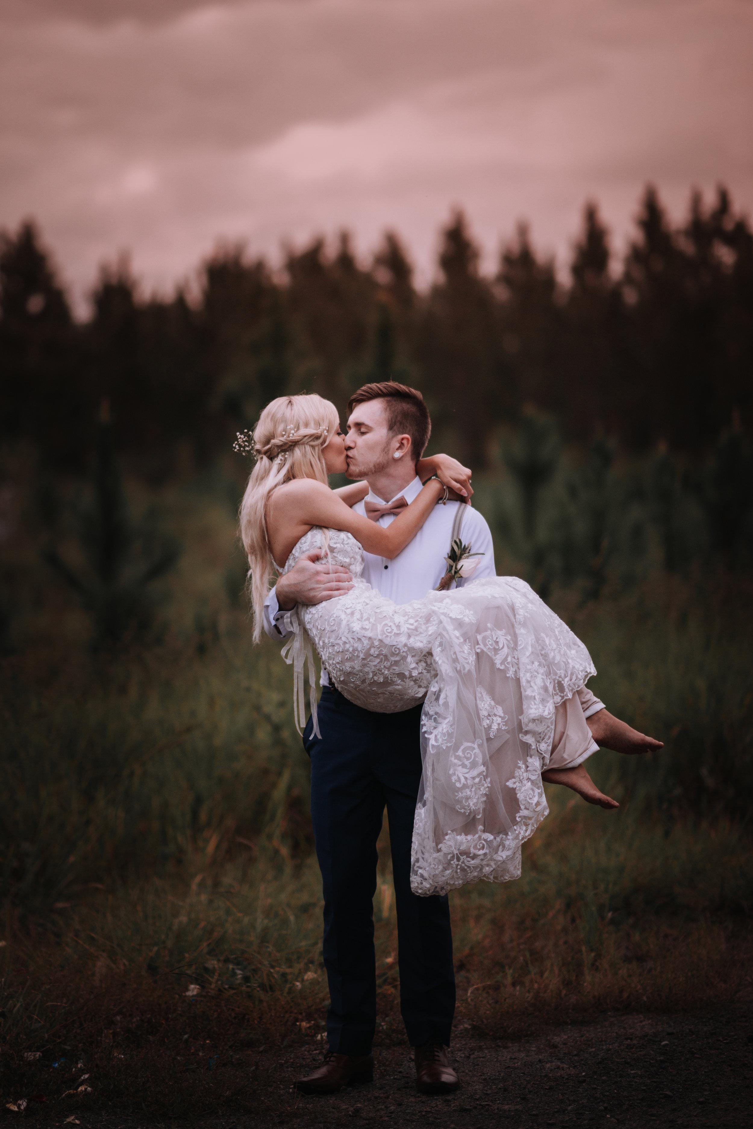 LOVELENSCAPES PHOTOGRAPHY o VISUAL POETRY o BRISBANE WEDDING PHOTOGRAPHER o AMY  TIM o BEERWAH HIDEAWAY o SUNSHINE COAST WEDDING o 3 o 24.jpg