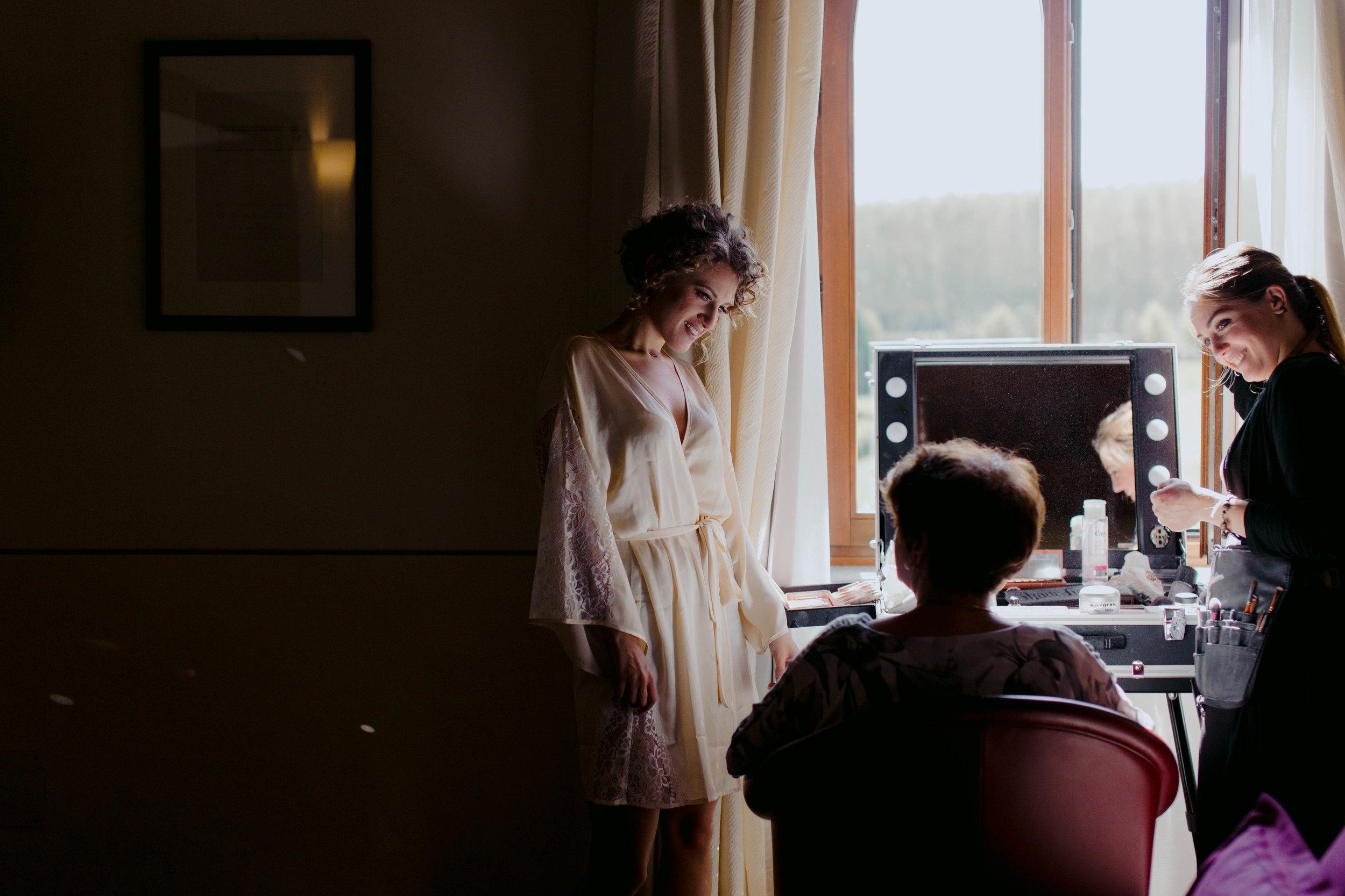 002 - Preparazione sposa.JPG