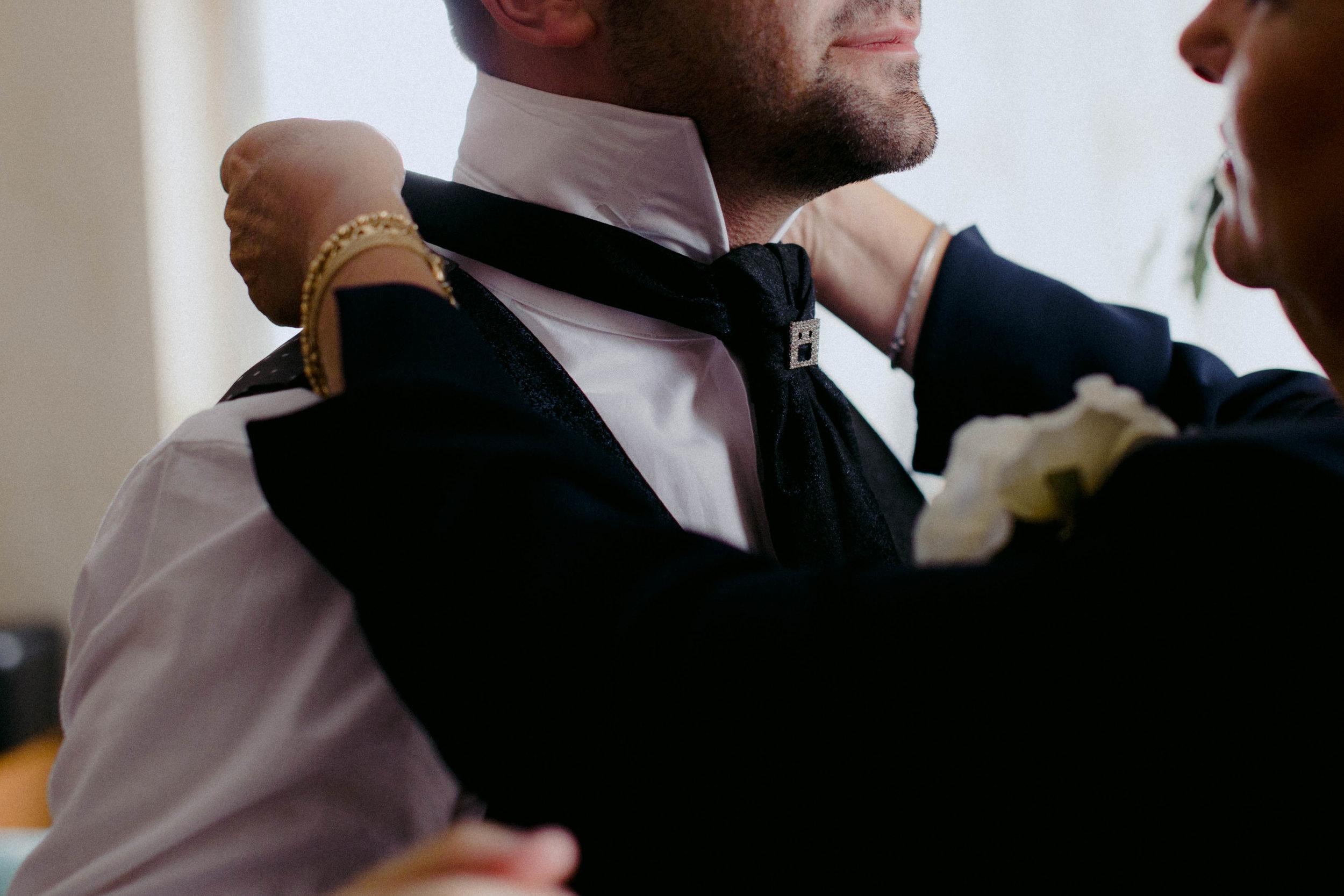 003 - Preparazione sposo.JPG