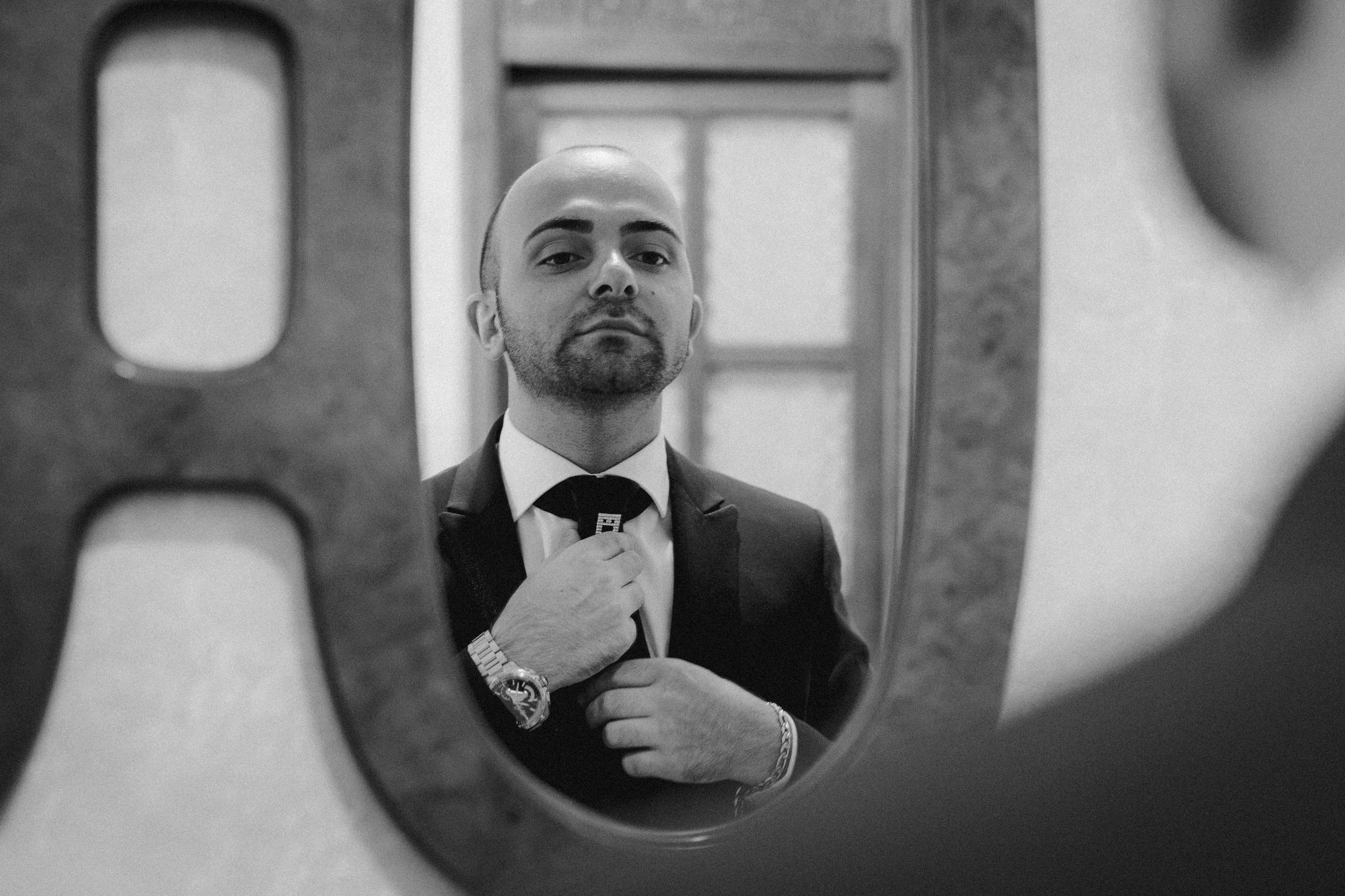 011 - Preparazione sposo.JPG
