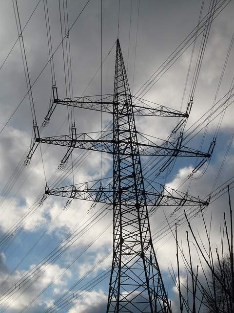 electricity-pylon-49626_640.jpg