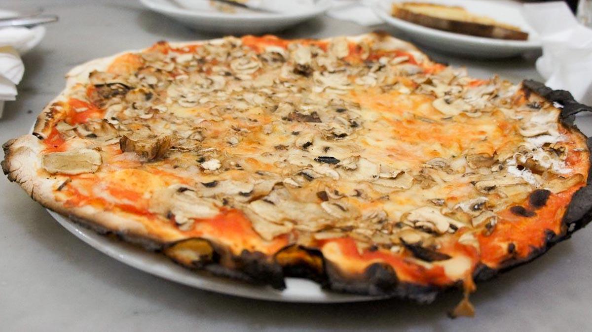 Photograph courtesy of Pizzeria Ai Marmi