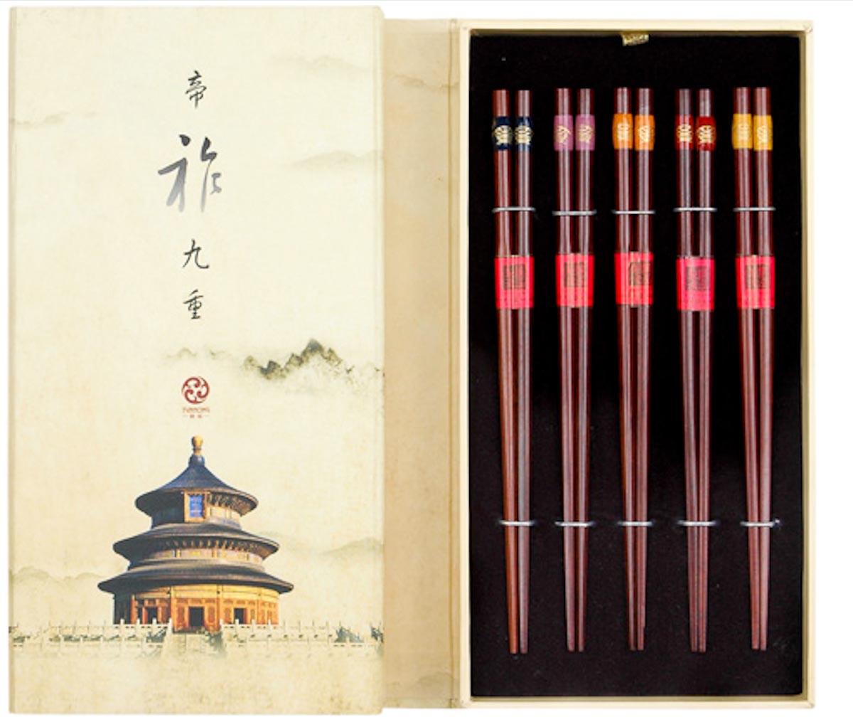 Photograph courtesy of Yùnhóng Chopsticks