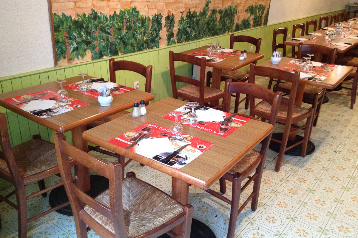 Photographs courtesy of Cafe Restaurant de la Gare