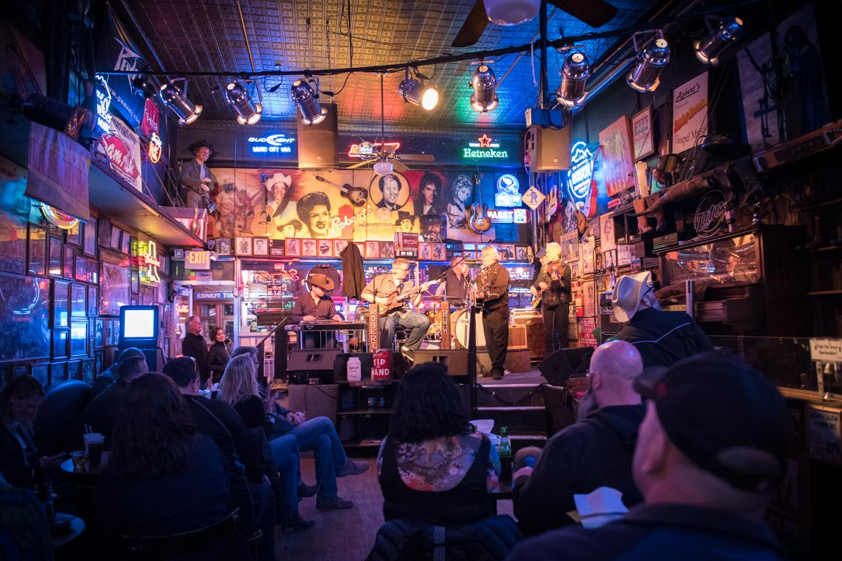 Music at Robert's Western World  Photo Credit: ©Find. Eat. Drink.