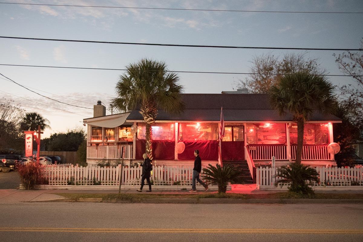 Poe's Tavern | Photo Credit: ©Find. Eat. Drink.