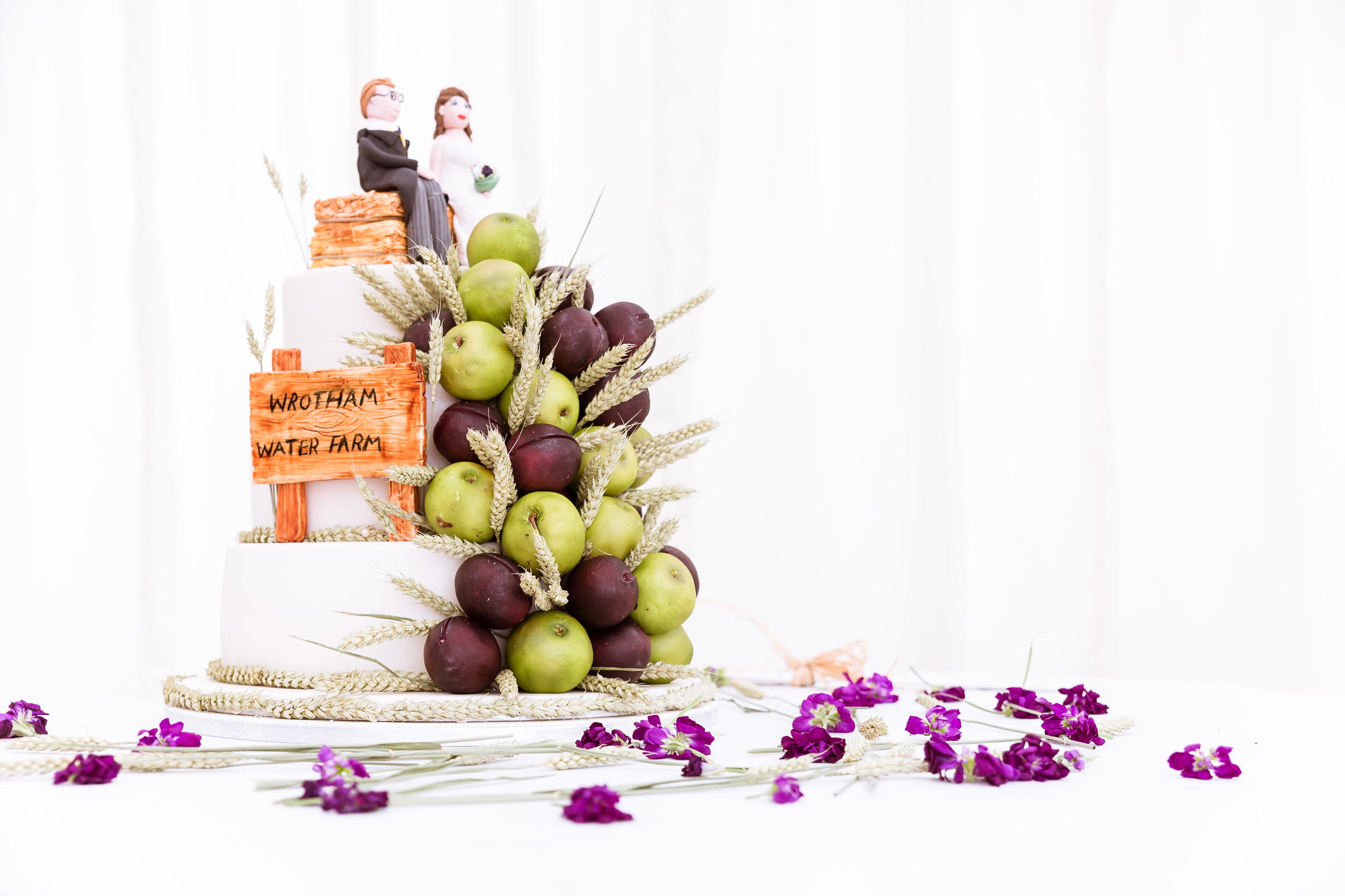 Kent - Wedding – Birling – Ceremony - Amanda & Adam – Confetti