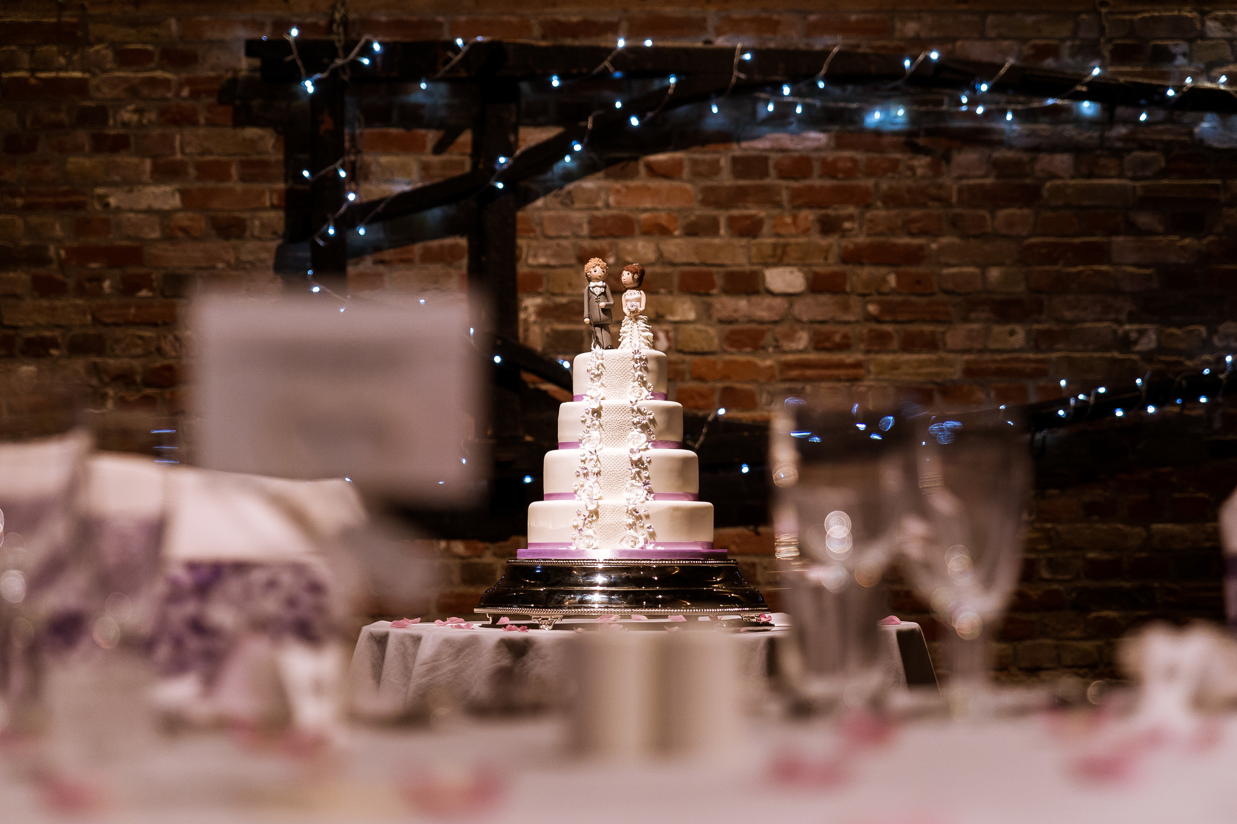 Kent - Wedding - Cooling Castle Barns- Cake - Edward & James – Have it and Eat it!