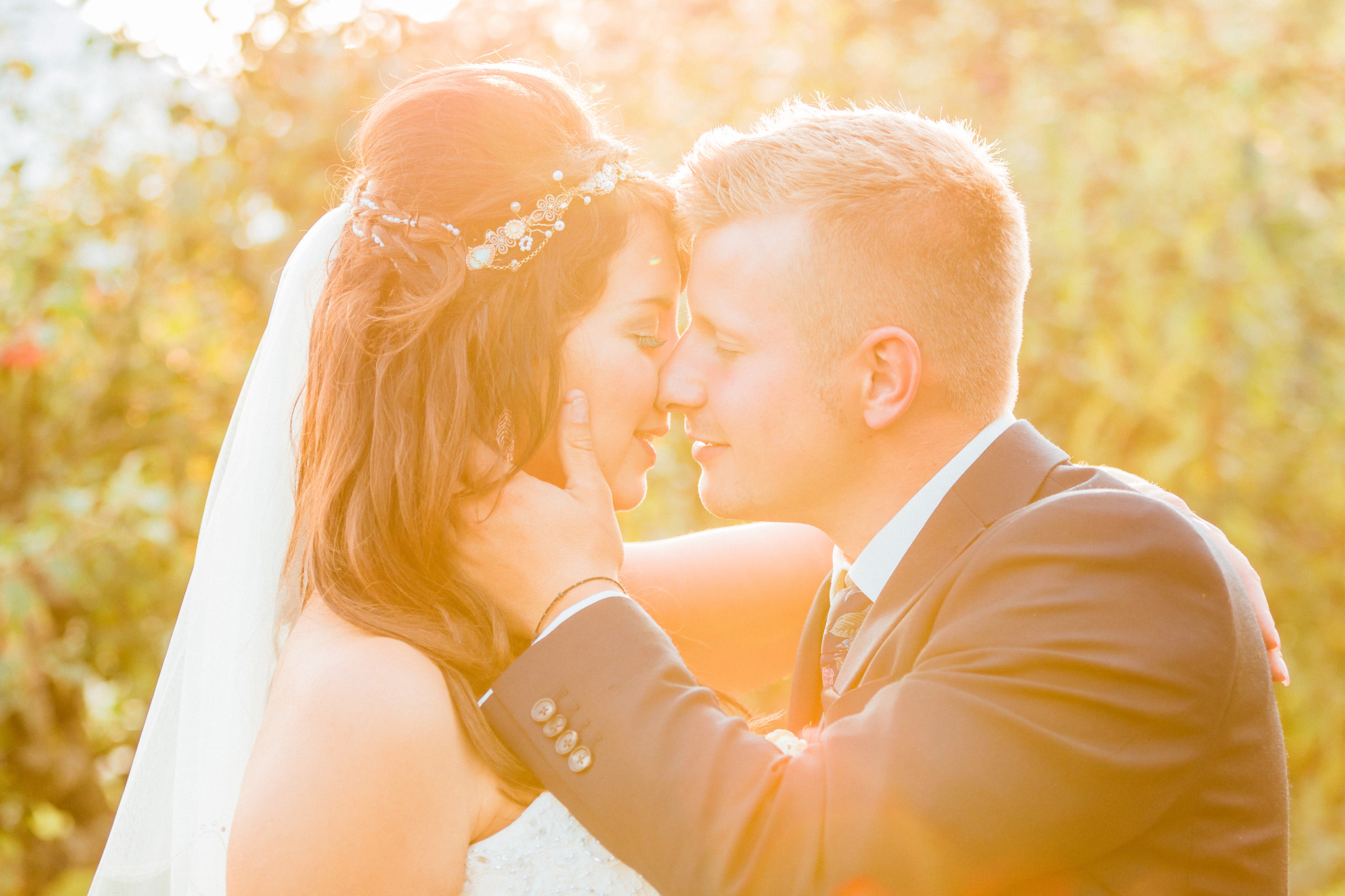 Kent - Wedding – The Secret Garden – Michelle & Sam – The Kiss