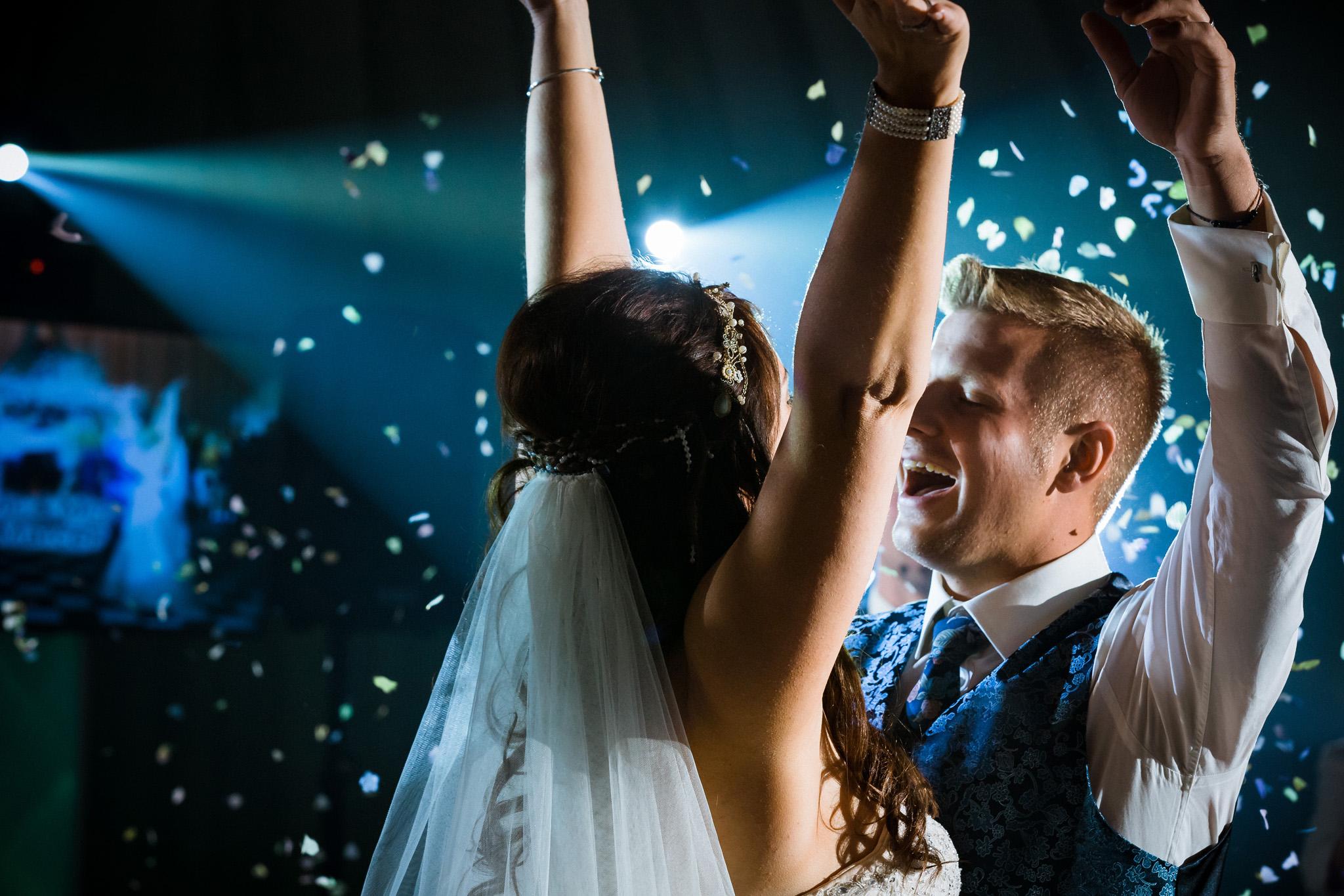 Kent - Wedding – The Secret Garden – Michelle & Sam – The Dance