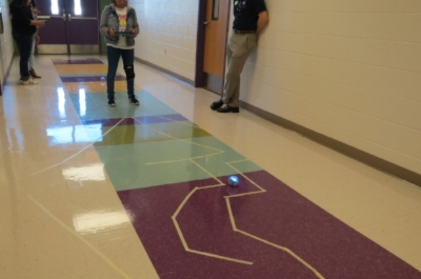 Student learns how to drive sprk through a maze