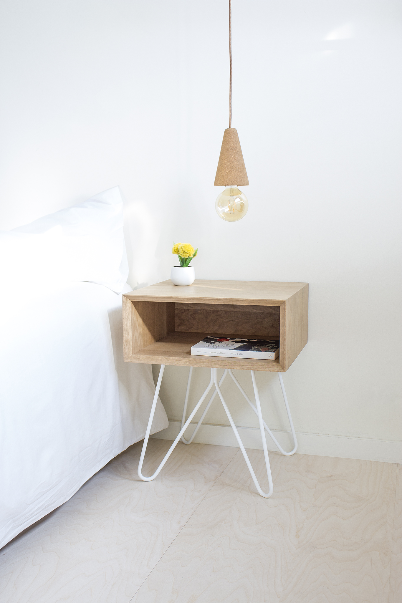 low-Galula-nove-side-table-white-amb-1.jpg