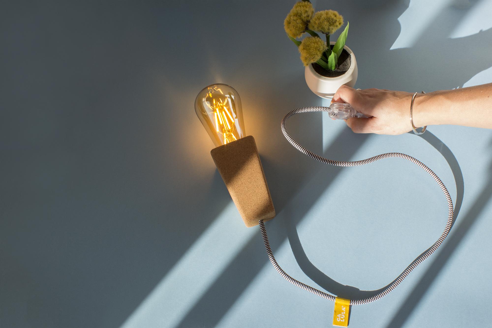 low-Galula-magneto-lamp-amb-04.jpg