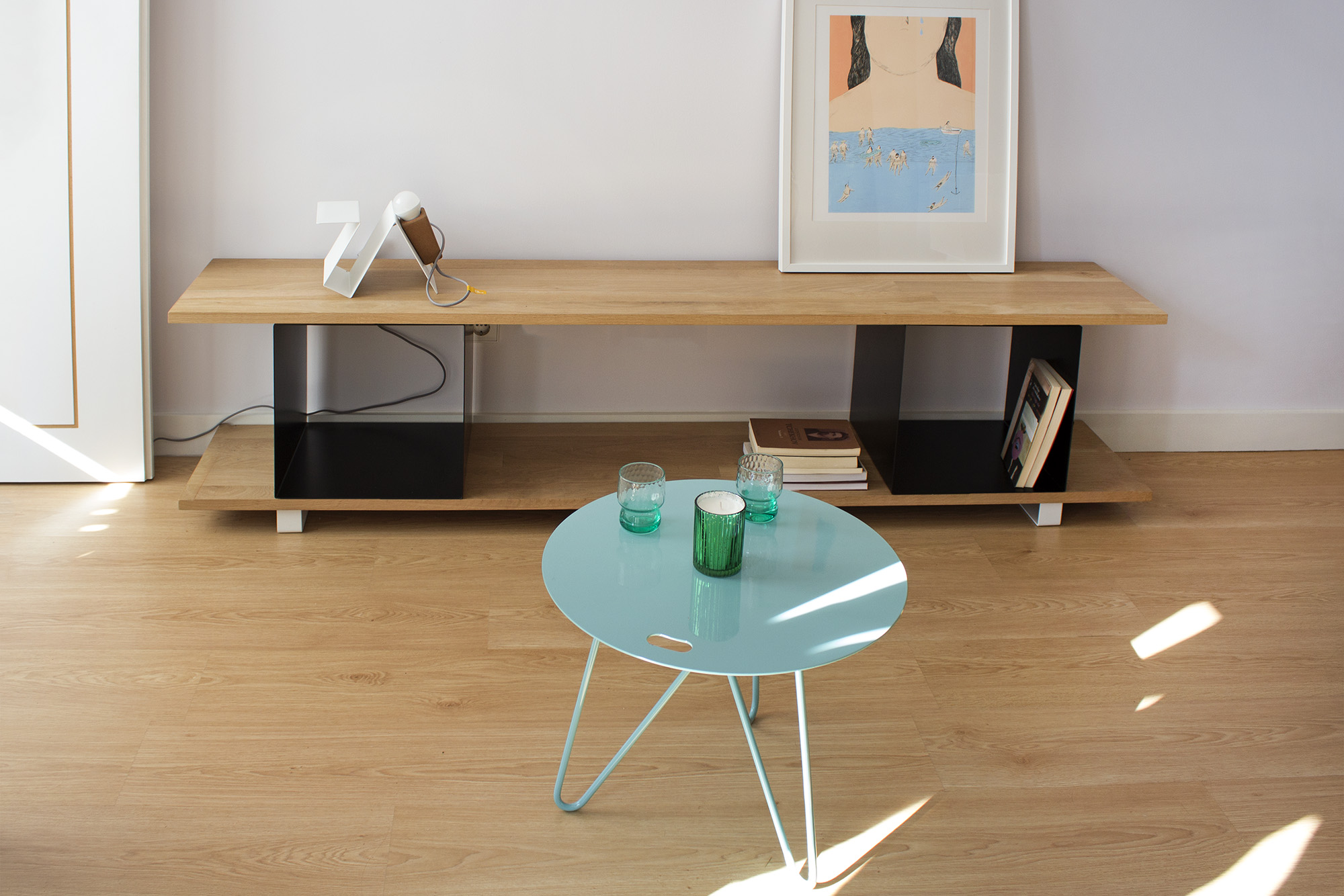 low-Galula-Seis-table-blue-amb-2.jpg
