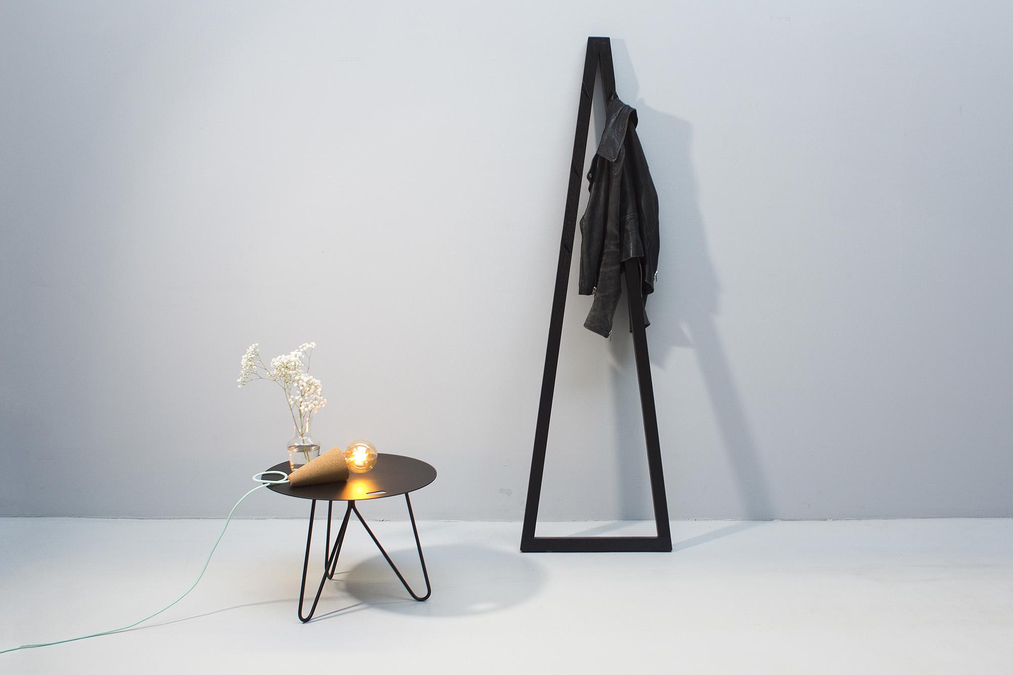 low-Galula-Seis-table-black-amb-10.jpg