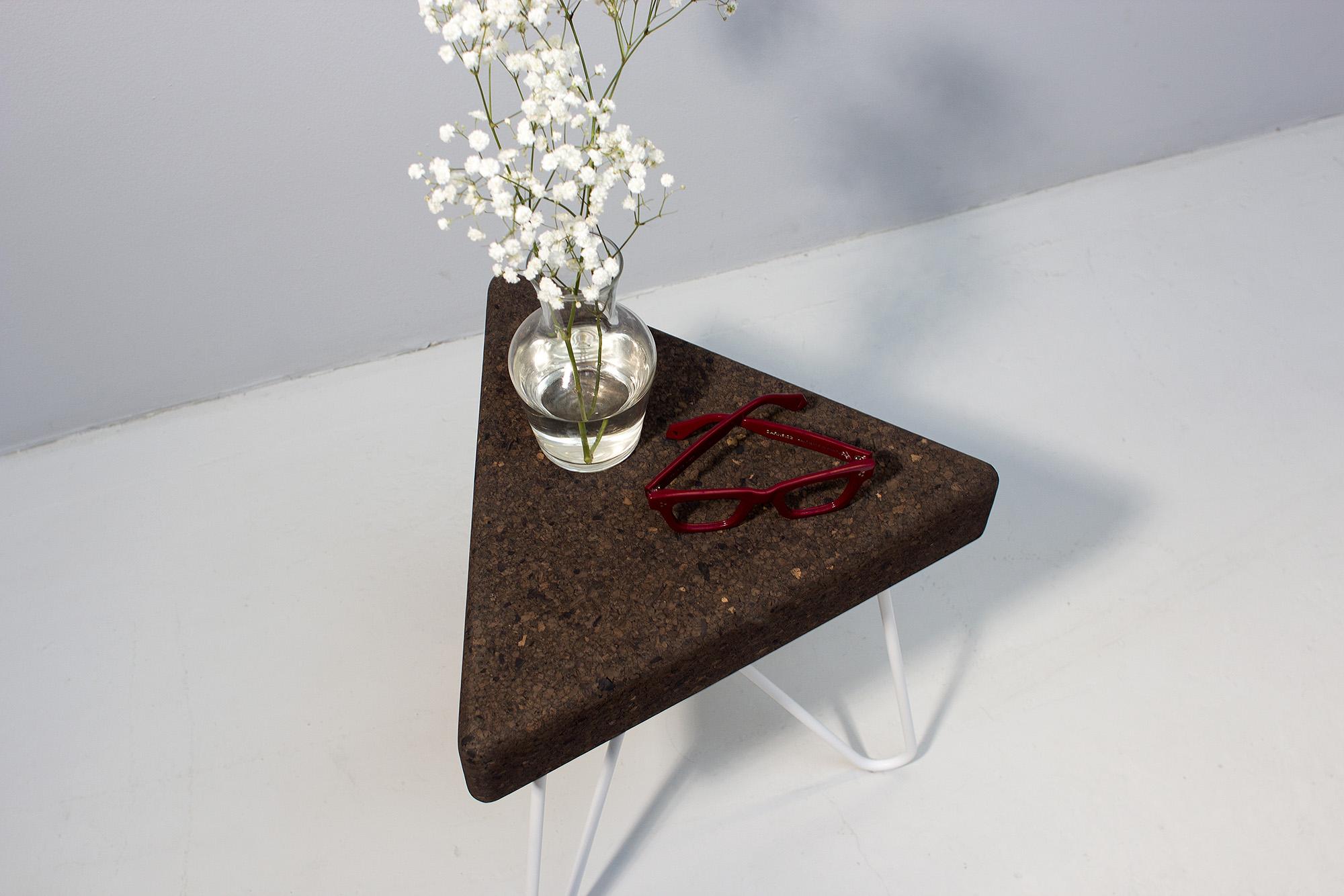low-Galula-tres-stool-table-dark-white-2.jpg