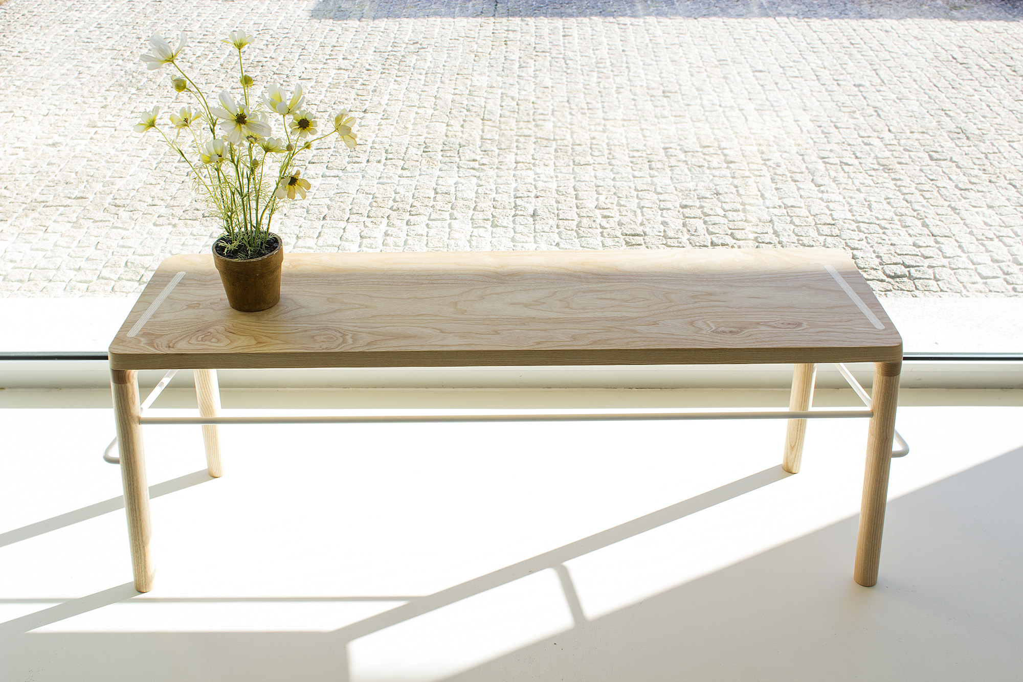 low-Galula-taberna-bench-amb-ash-white-1.jpg
