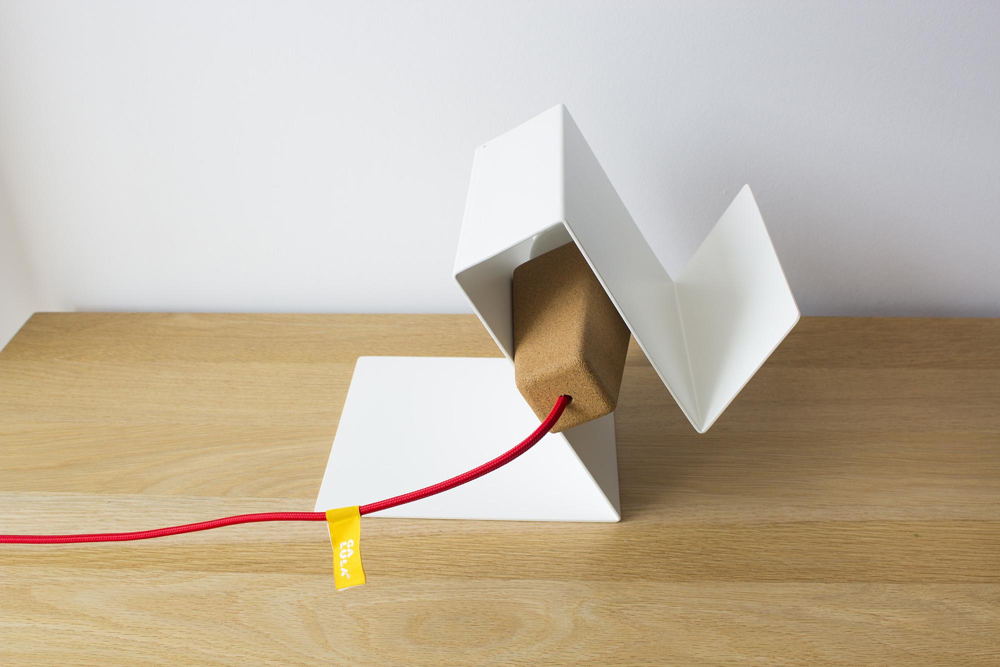 low-Galula-Glint-3-lamp-white-red-amb-2.jpg