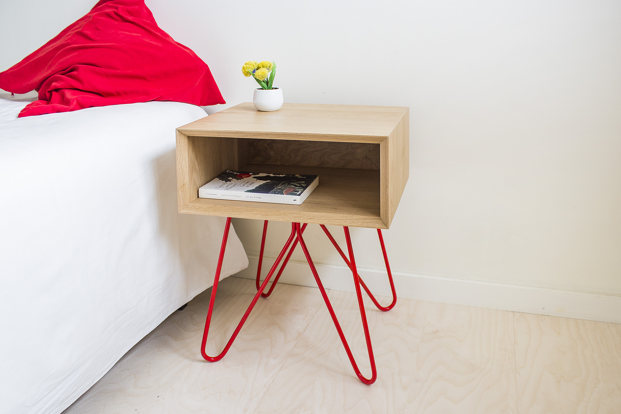 low-Galula-Nove-Sidetable-red-05.jpg