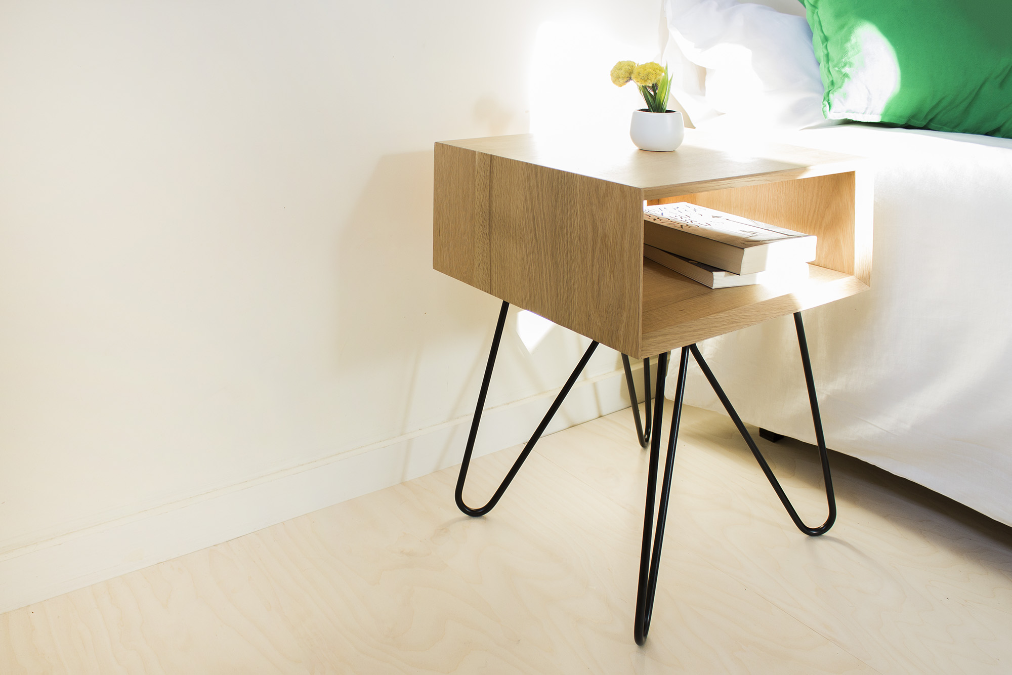 low-Galula-Nove-Sidetable-black-07.jpg