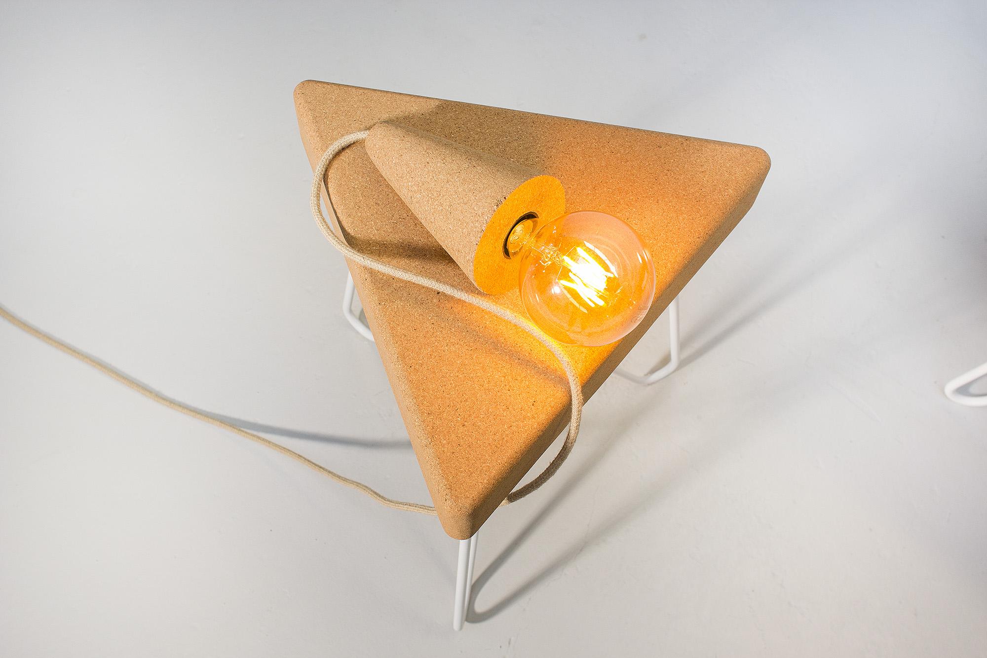 low-Galula-Sino-Pose-lamp-cork-beige-14.jpg