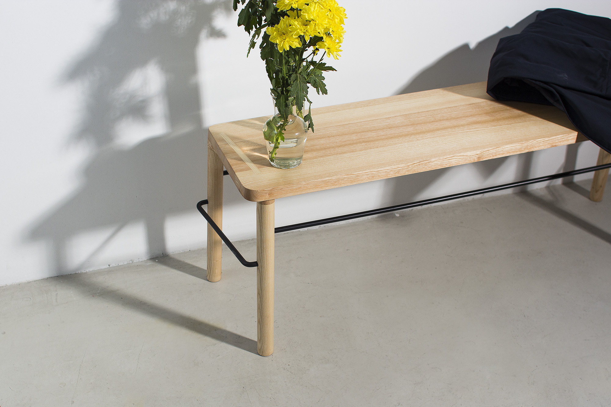 low-Galula-taberna-bench-ash-black-07.jpg