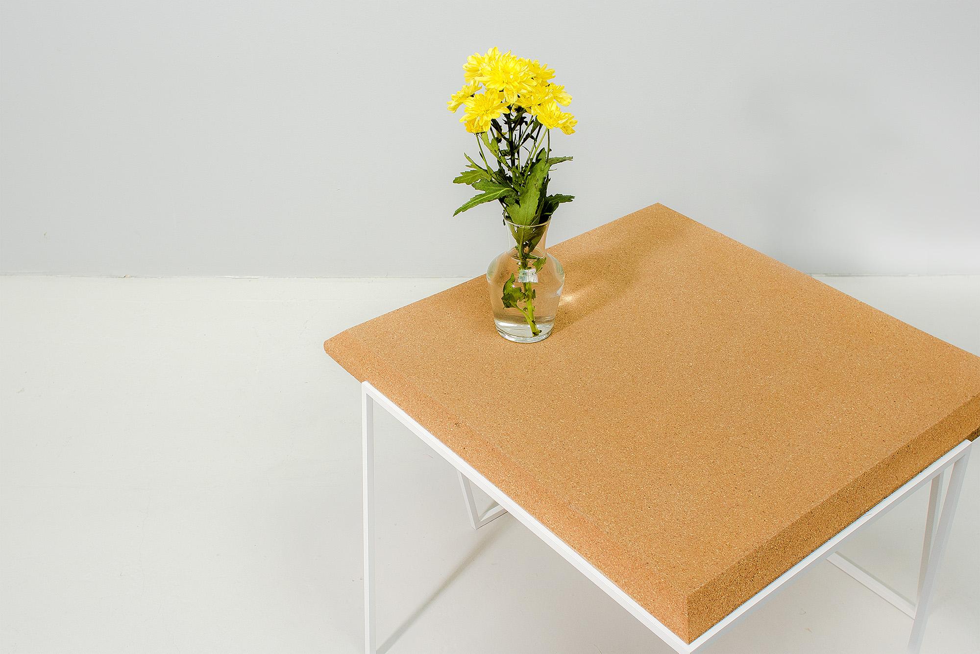 low-Galula-Grão-coffee-table-2-light-cork-white-03.jpg