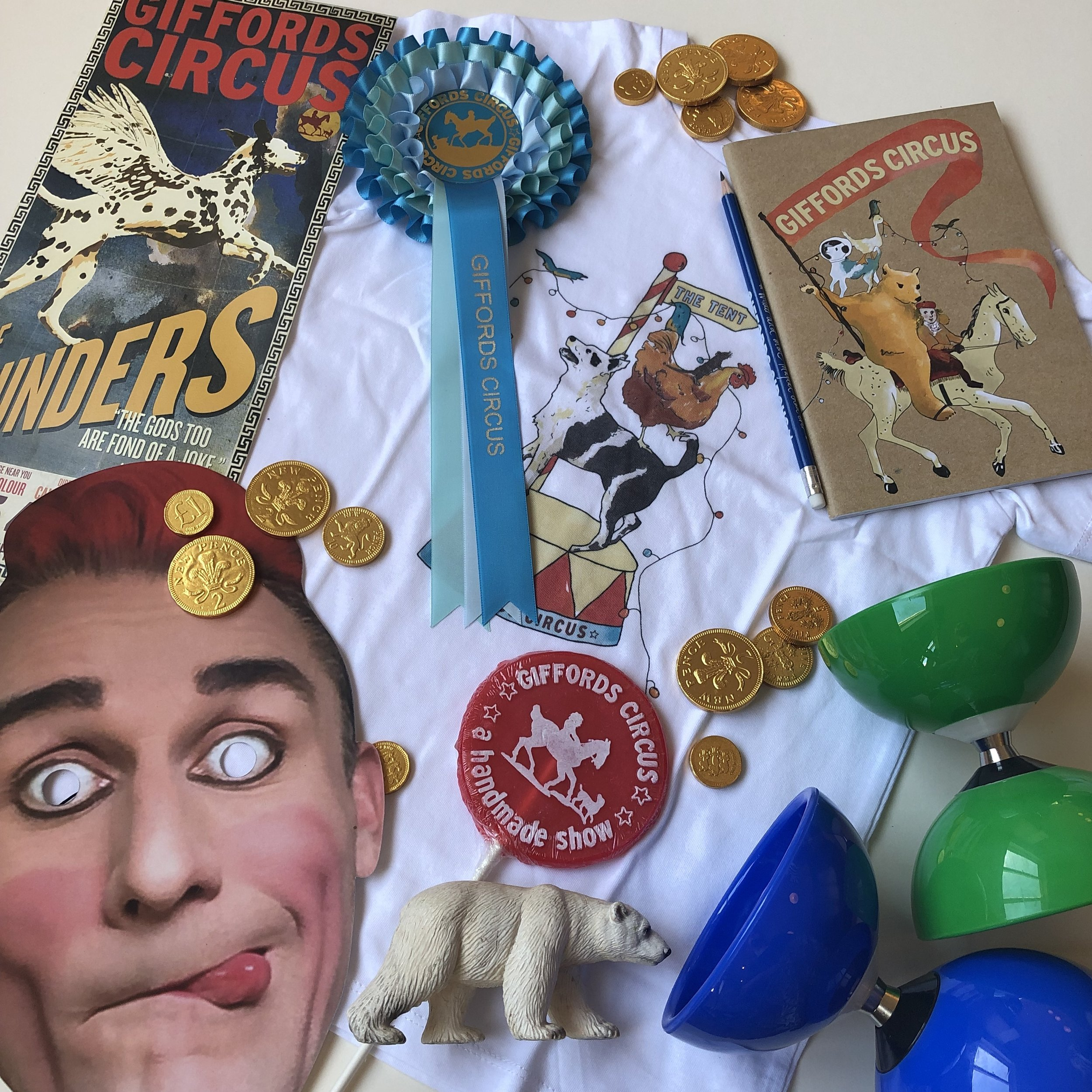 A naughty Tweedy mask, lolly, diabolo, t-shirt, notebook, pencil and posters.