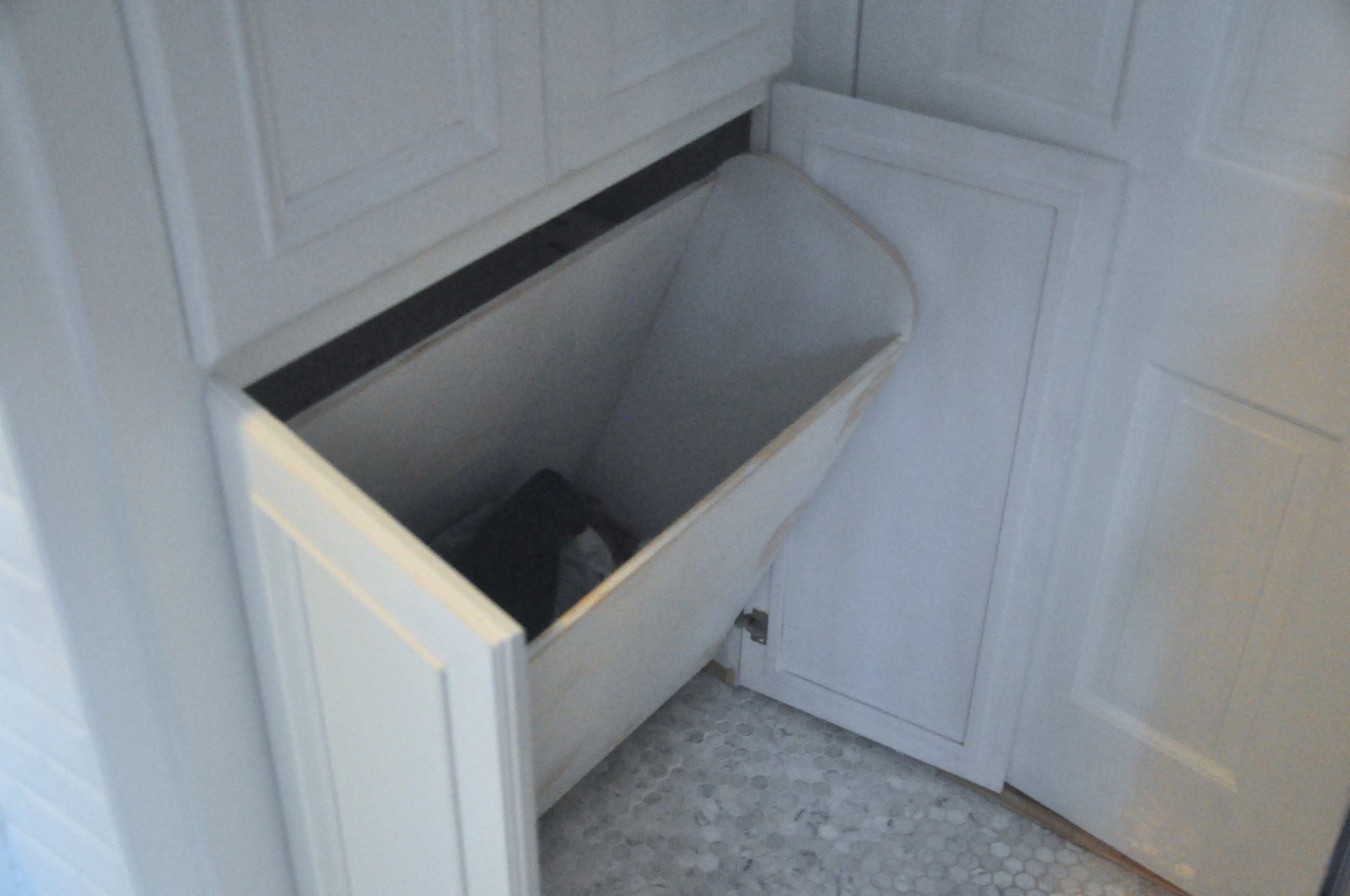 Built-in Laundry bin