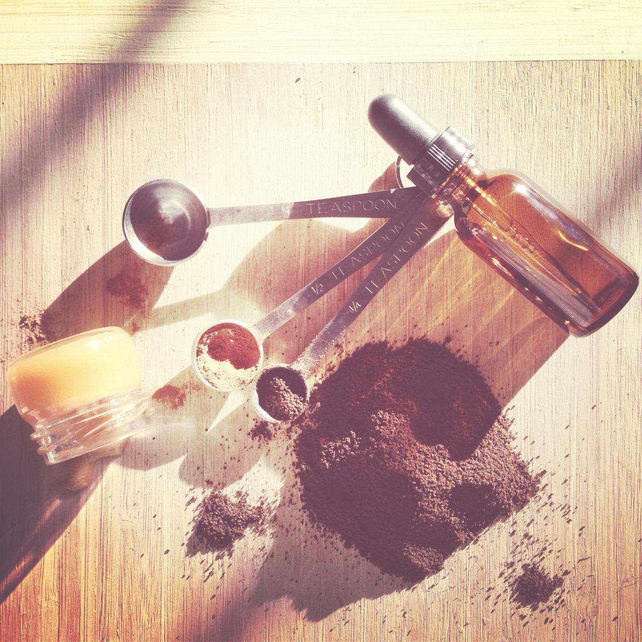 DIY:  EXFOLIATING BODY SCRUB USING UPCYCLED COFFEE GROUNDS