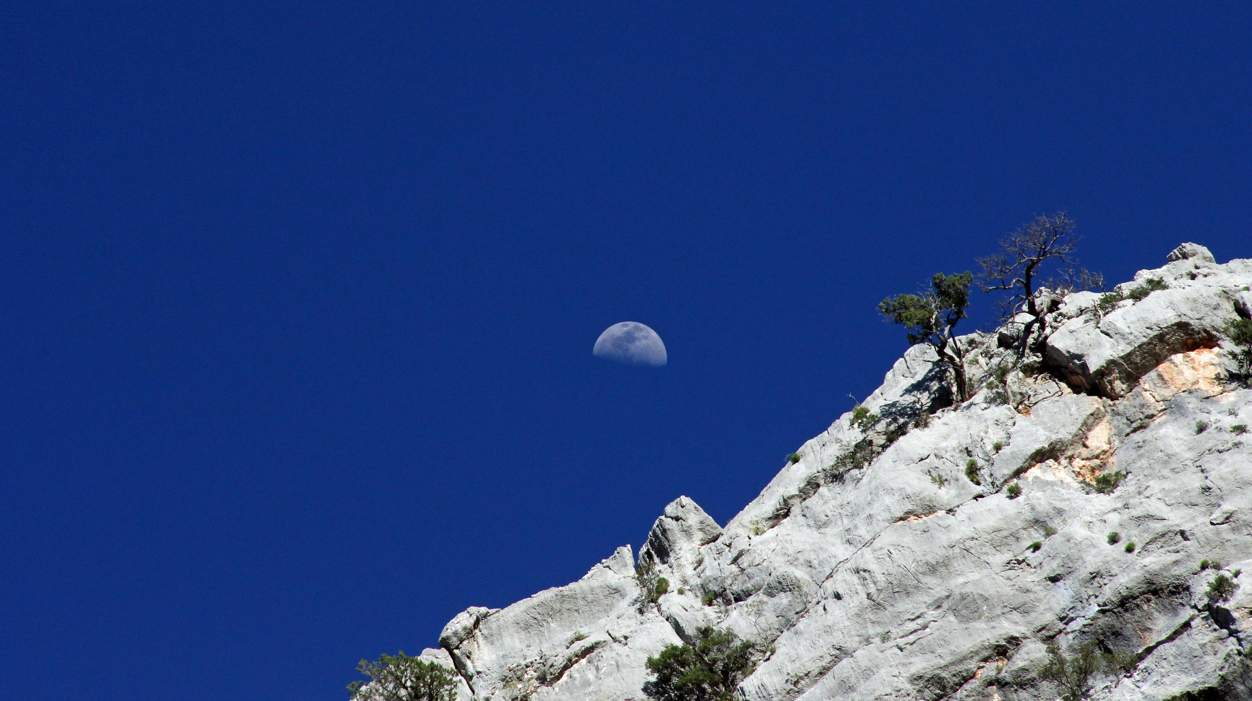 Supramonte's moon.jpg