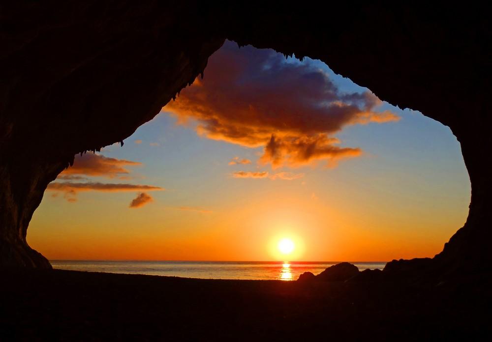 Sunrise at Cala Luna's cave.jpg